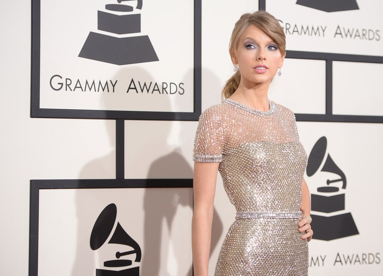 11 Taylor Swift Lyrics That Are Definitely About Lonely