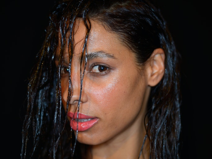 Wet Hairstyles To Sleep In That Will Make Mornings A Breeze ...