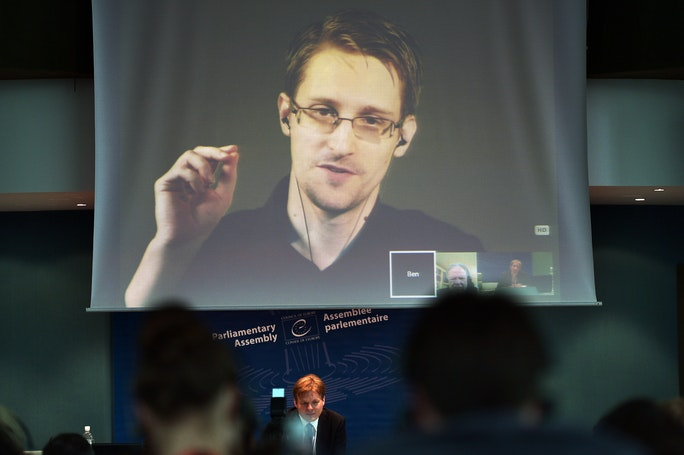 ethics of edward snowden essay Your example essay on snowden topics and ideas free edward snowden essay sample writing tips how to write good academic term papers and essays about him.