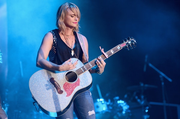 7 Miranda Lambert Covers That Show She S Just As Good At