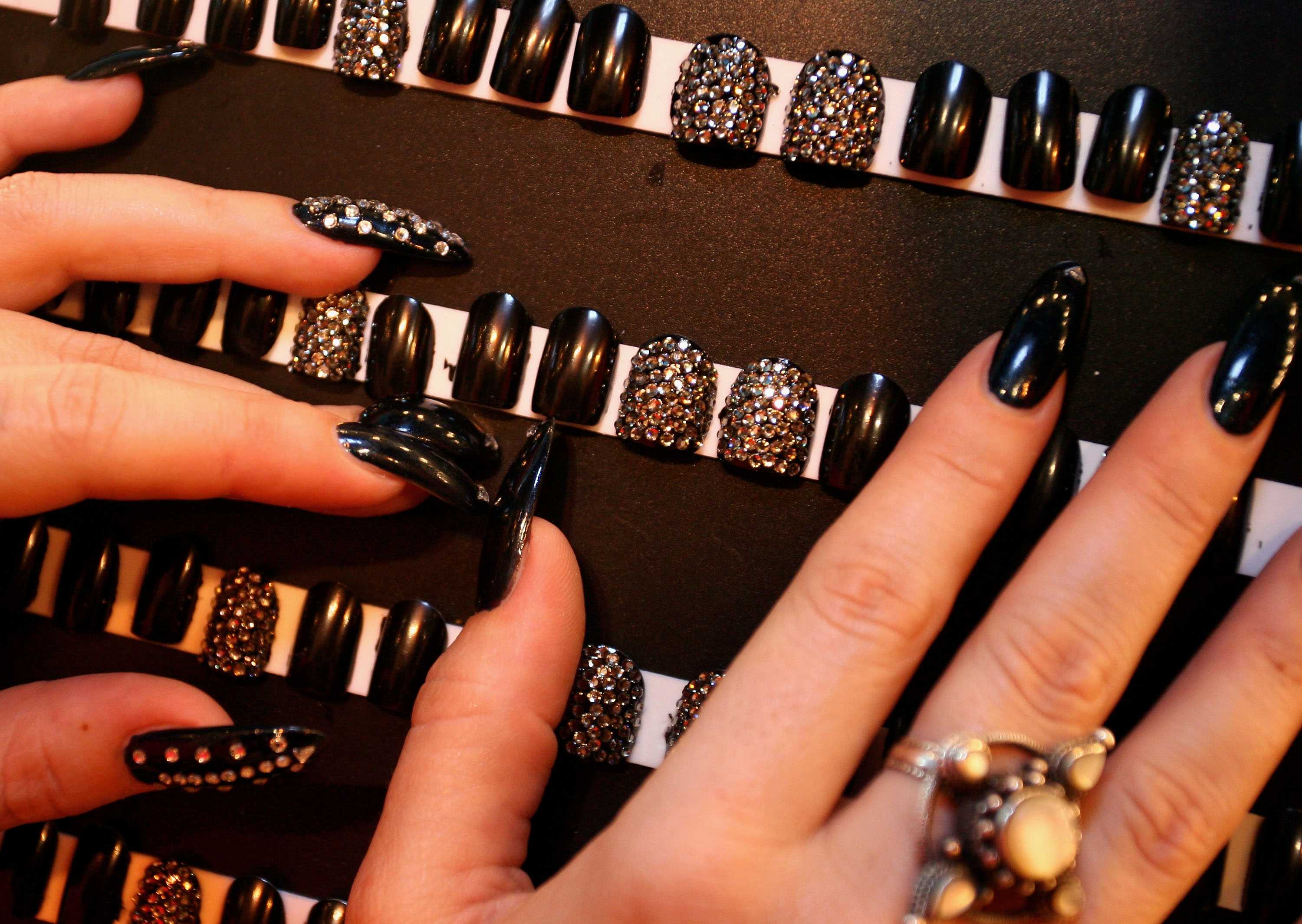 Things you need to do your own acrylic nails