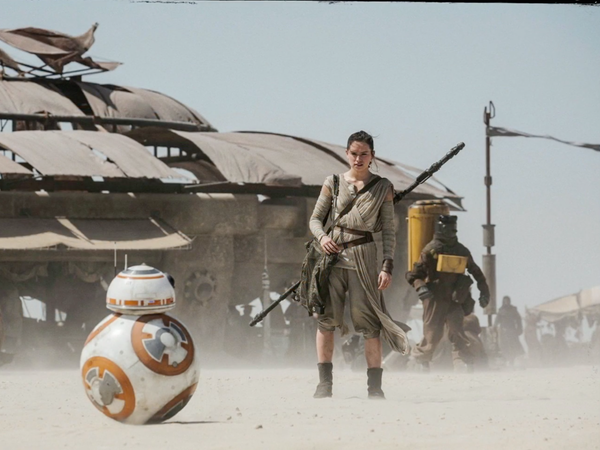 Rey's Parents In 'The Force Awakens' Might Not Be Who You ...