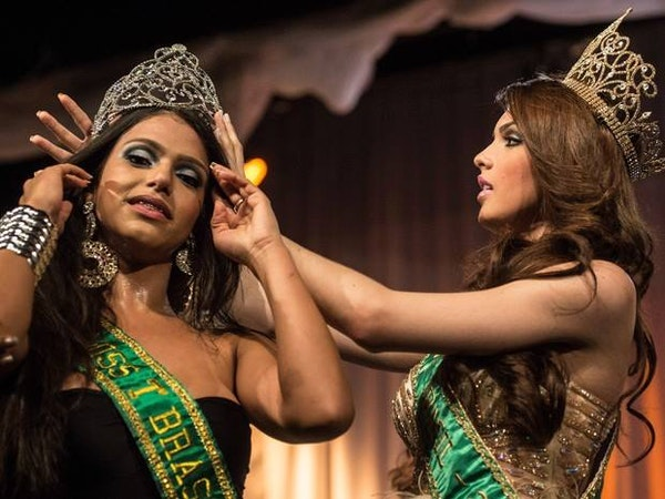 Transvestite beauty pageant in phillipines and