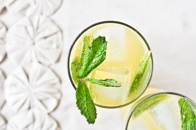 13 Mojito Recipes to Keep You Buzzing Through Summer | Bustle