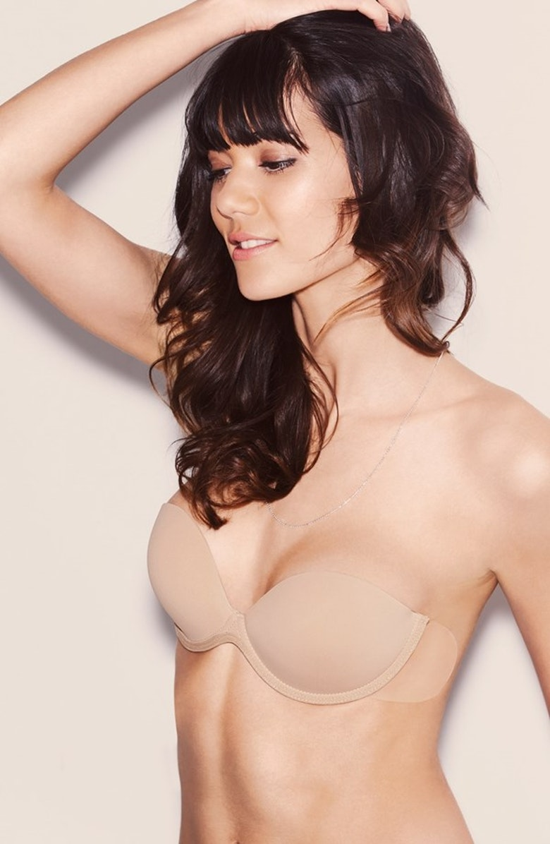 How to Wear Transparent Bra Straps to Wear a Bra With Straps