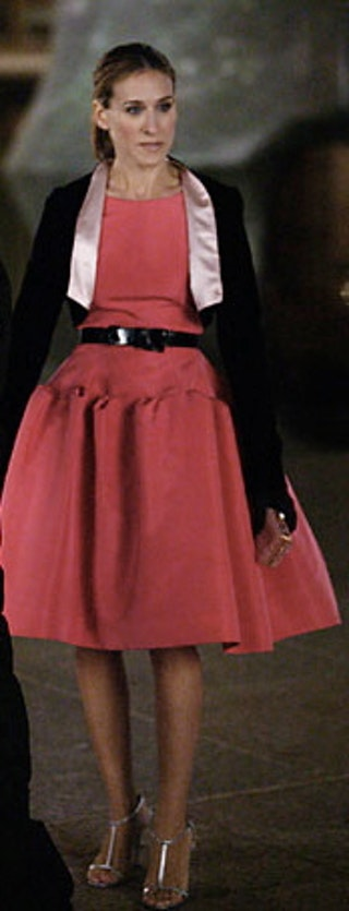 articles most memorable carrie bradshaw outfits city ranked order