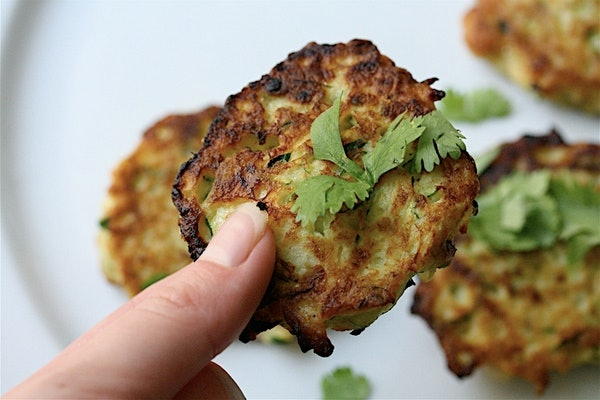 Zucchini cakes are an easy-to-make and easy-to-eat finger food to keep ...