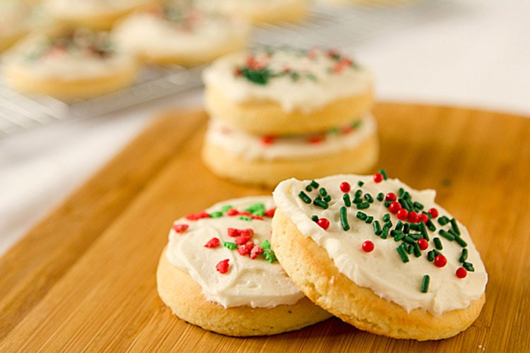Lofthouse Style Sugar Cookies | 16 Easy Christmas Cookies That Are Red ...