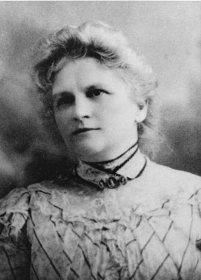 a feminist critique of the awakening by kate chopin Pg 2/2 - kate chopin's the awakening was a bold piece of fiction in its time, and protagonist edna pontellier was a controversial character she upset many nineteenth century expectations for women and their supposed roles.