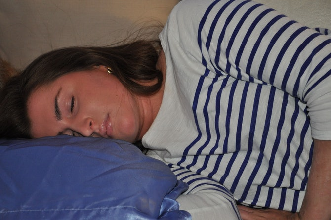 Does Sleeping On A Silk Pillowcase Have Beauty Benefits I
