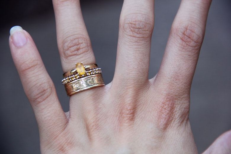 Non Traditional Engagement Amp Wedding Ring Sets Are Worth Considering Even If Youre Big On The