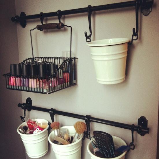 14 diy makeup organizer ideas that are so much prettier. Black Bedroom Furniture Sets. Home Design Ideas