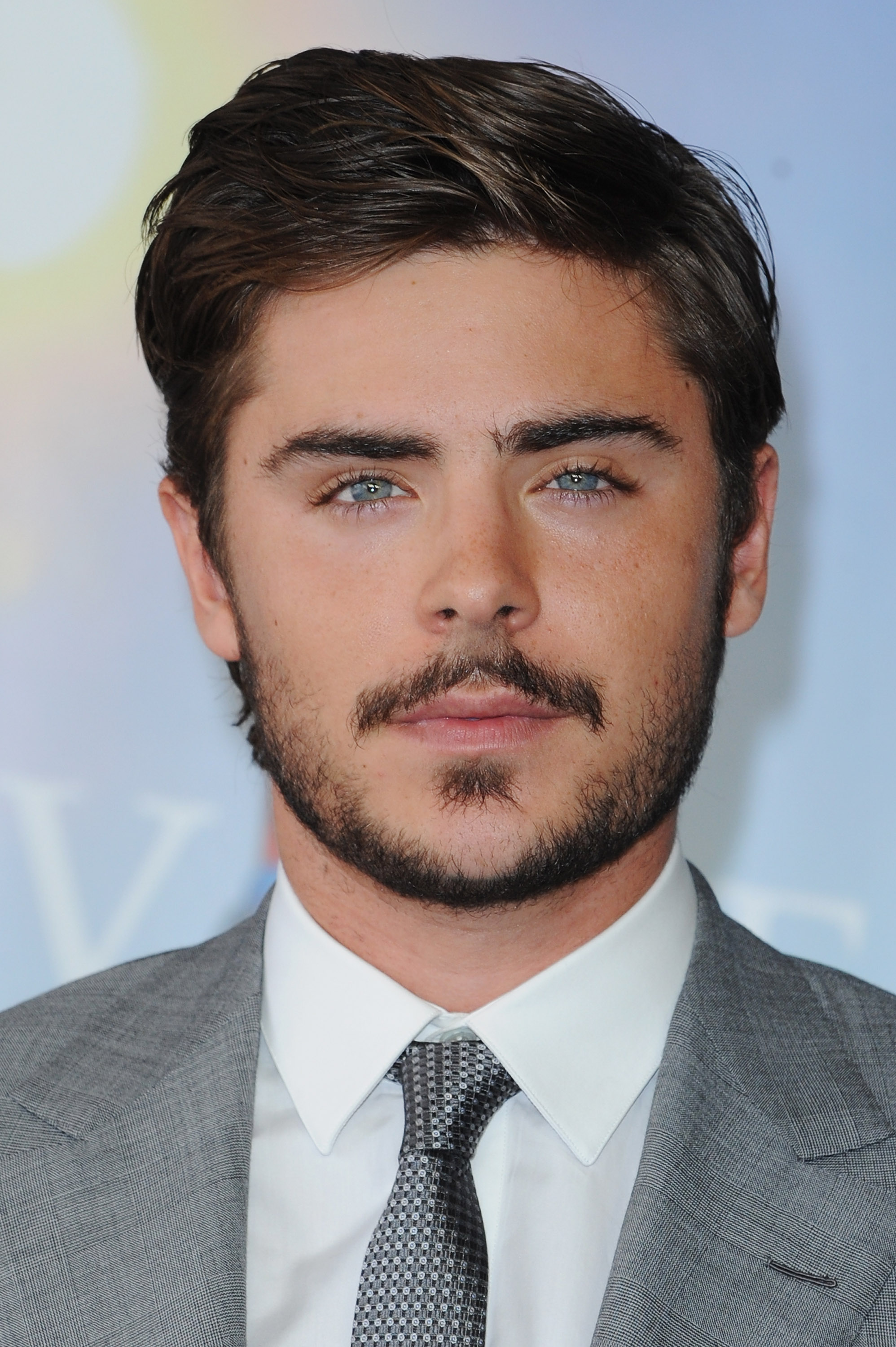 ranking zac efron 39 s facial hair from fresh faced to ron swanson 39 stache. Black Bedroom Furniture Sets. Home Design Ideas