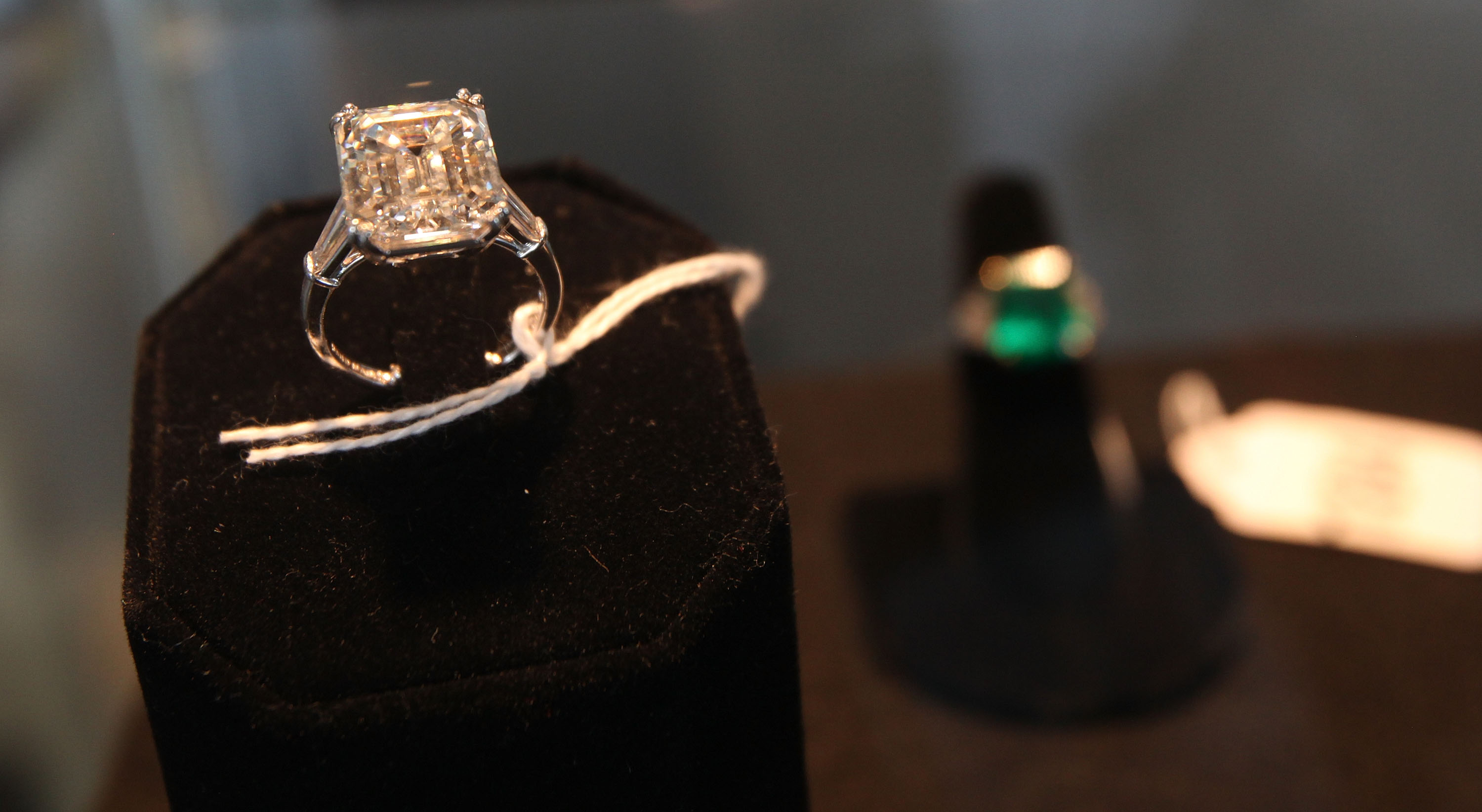 ring cartier rings auction awesome wedding diamond black engagement
