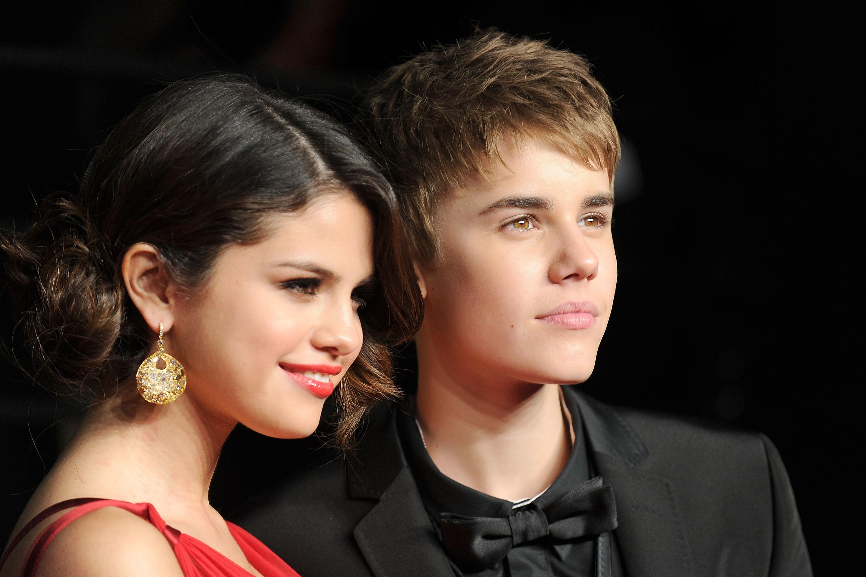 Justin bieber reaktion på selena dating zedd