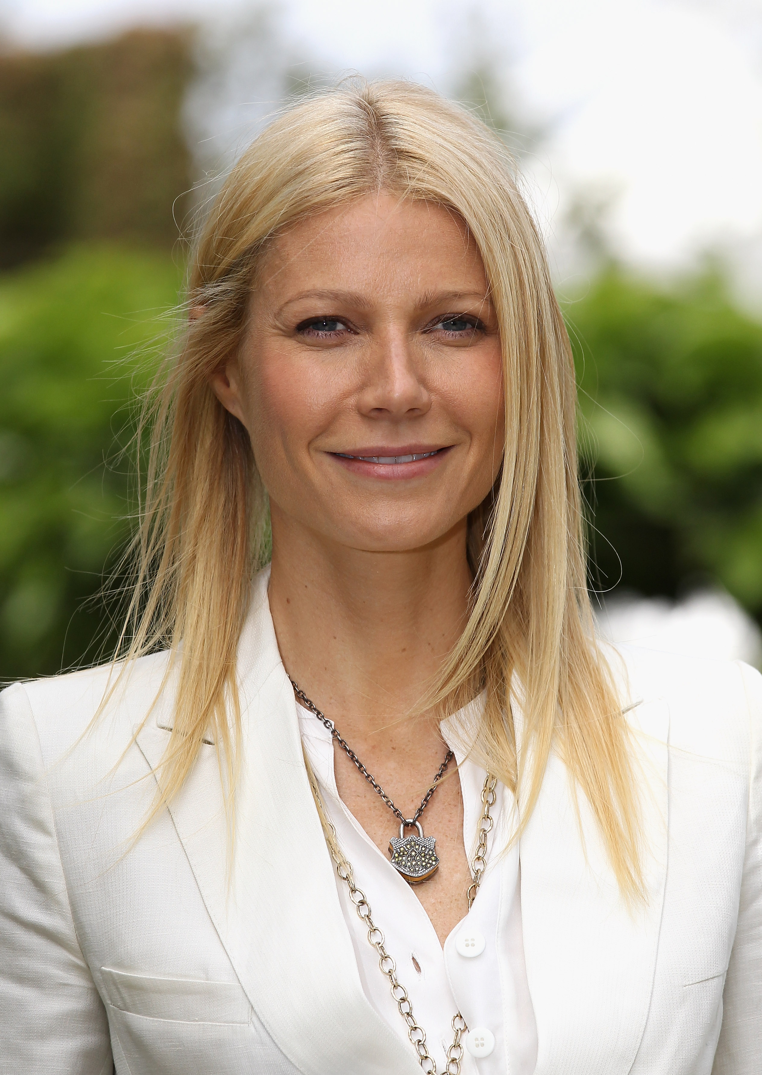 Watch Gwyneth Paltrow Claims Water Has Feelings in Weird New BlogPost video