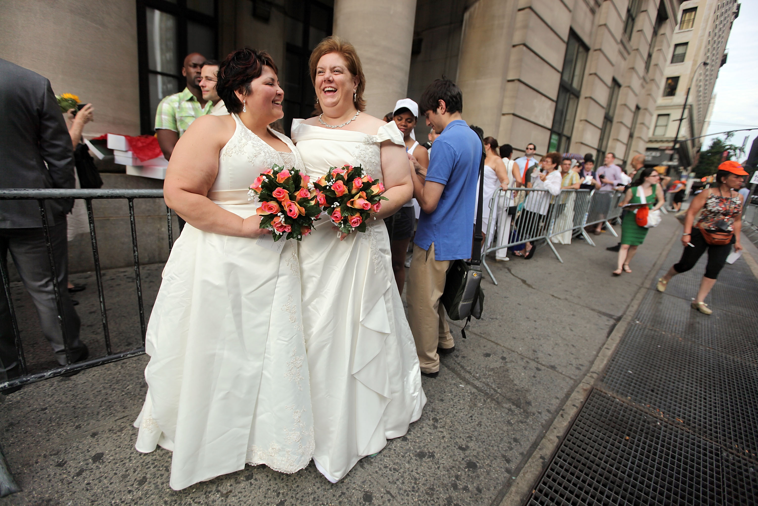 Germany celebrates first gay marriage after 27 years of struggle for equality