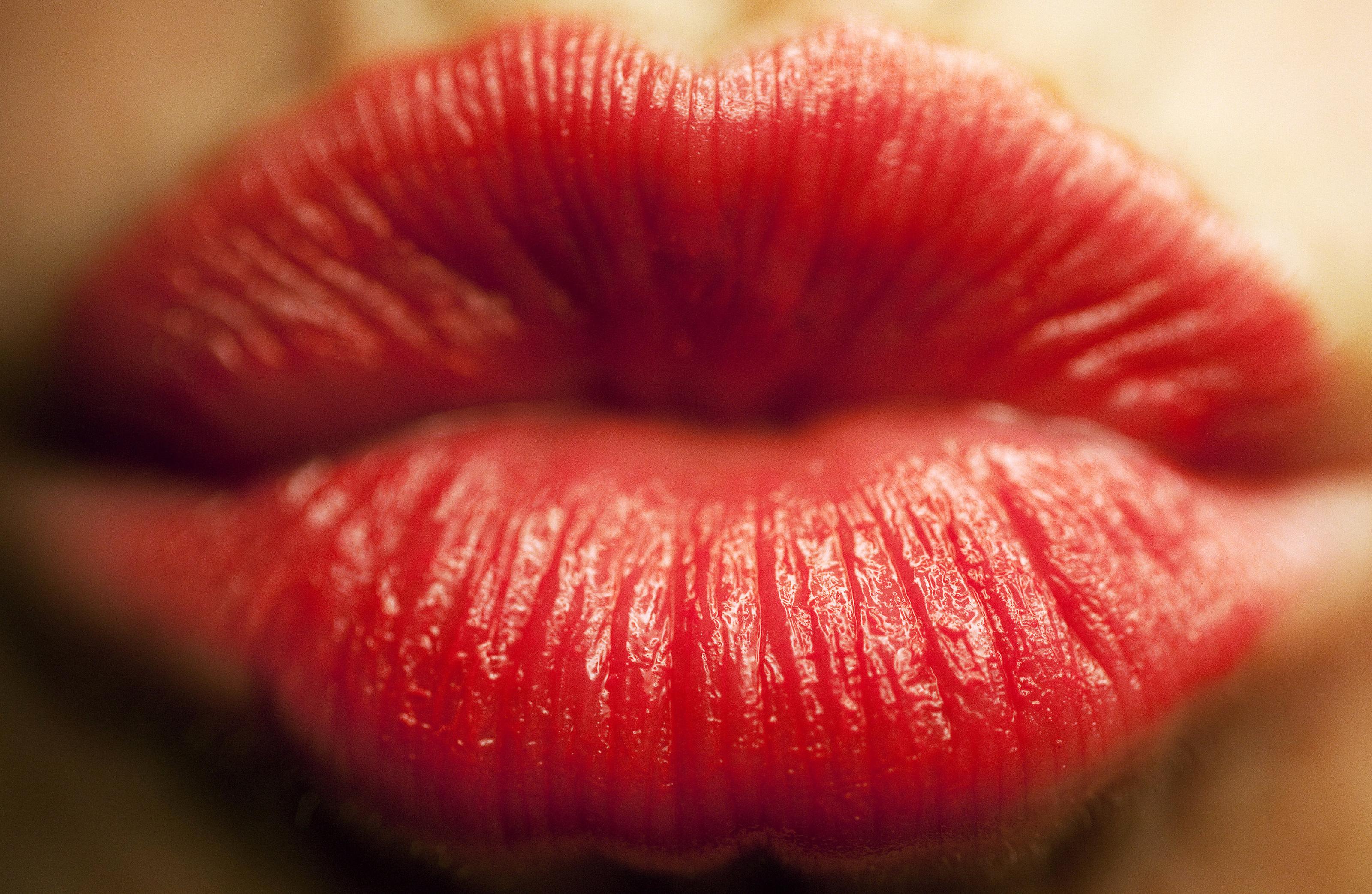 Открытки женских губ, картинки