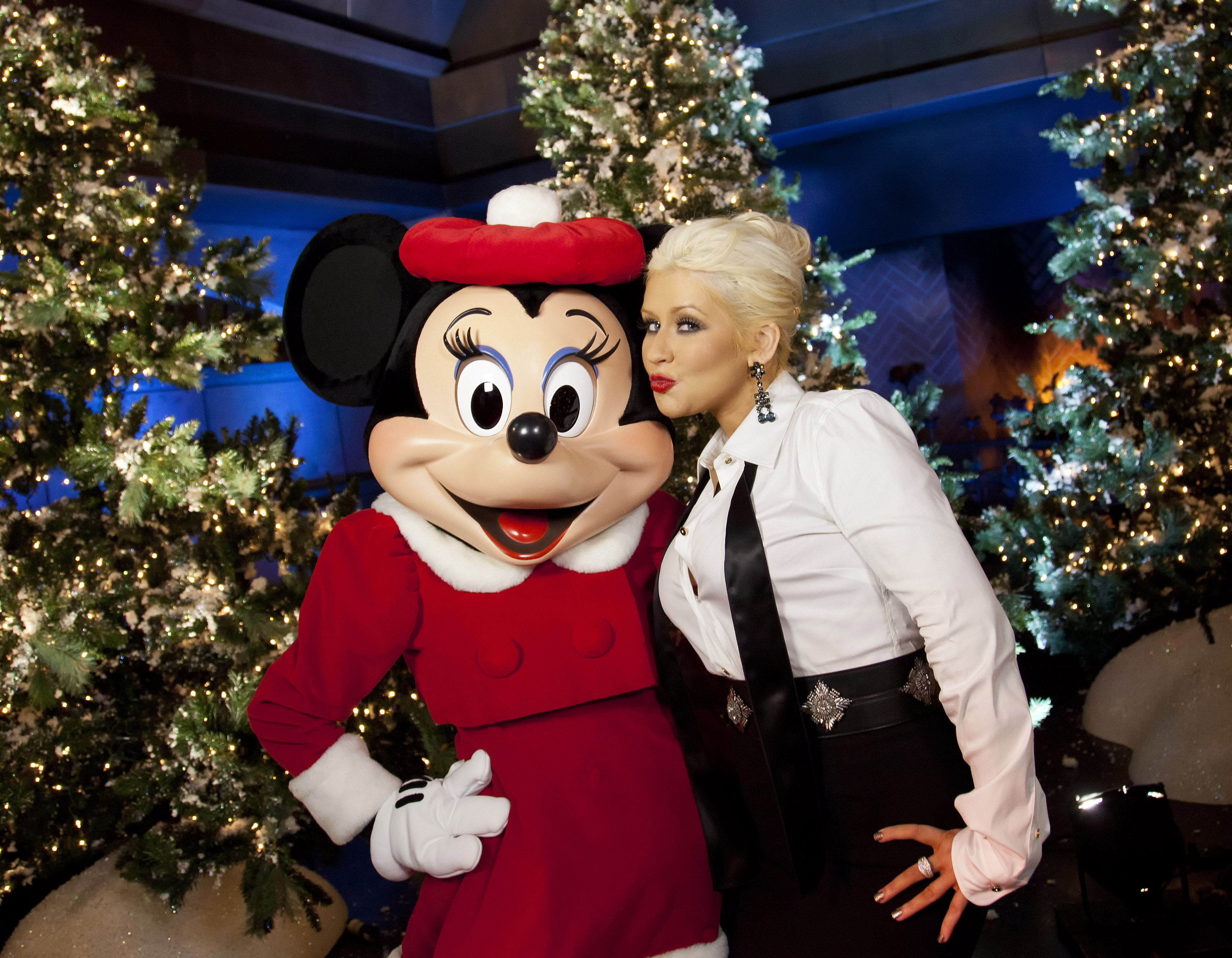 7 christina aguilera christmas song performances that are worth revisiting - Have Yourself A Merry Little Christmas Christina Aguilera