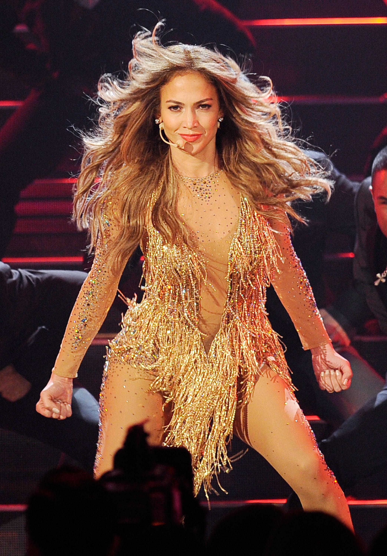 0a4d38bec36 15 Crazy Jennifer Lopez Concert Outfits
