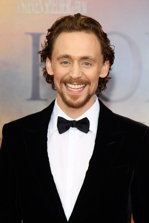 Ranking Tom Hiddleston S Hairstyles From Golden Retriever