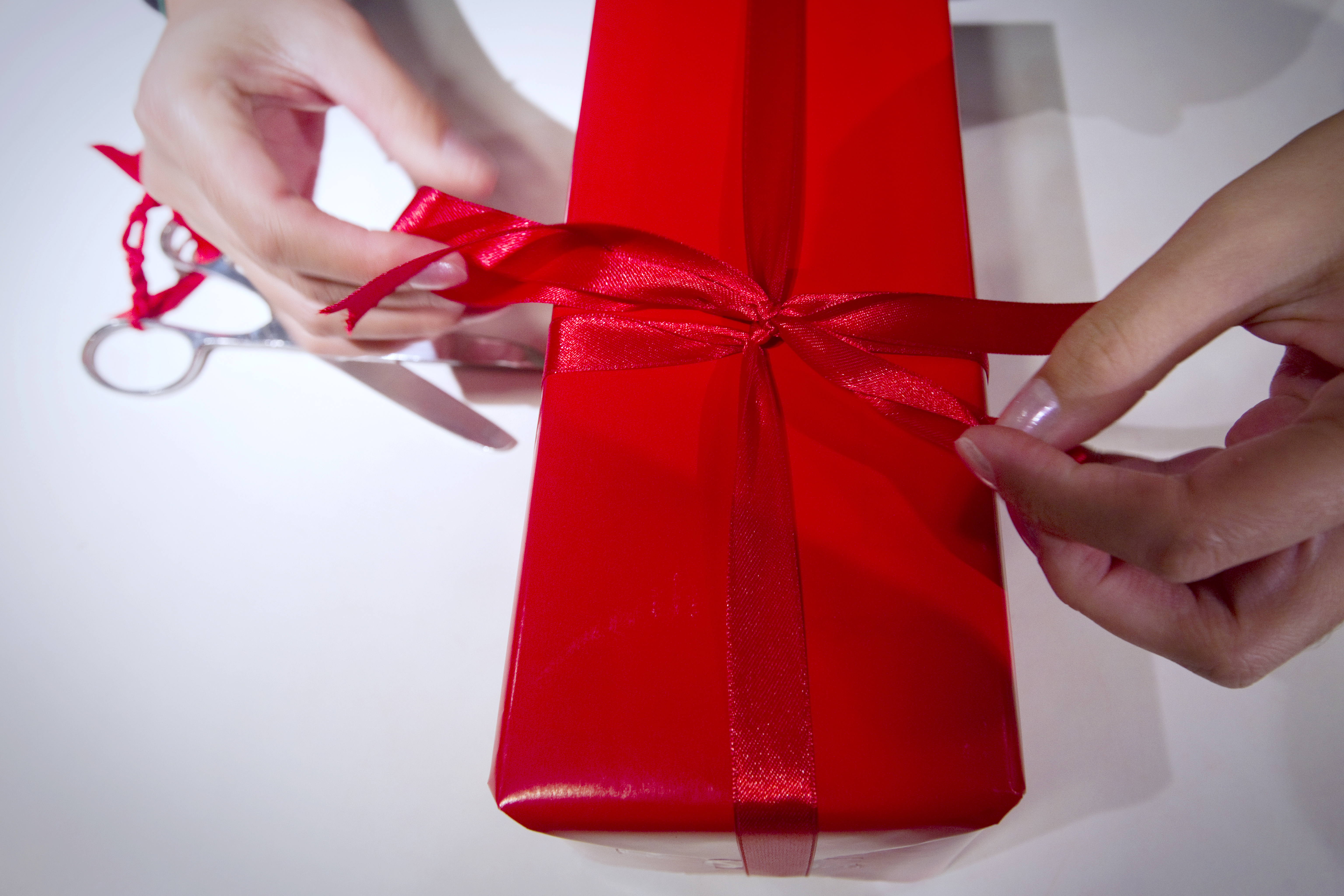 Do I Have To Buy A Wedding Gift? 5 People You Shouldn\'t Feel Bad ...