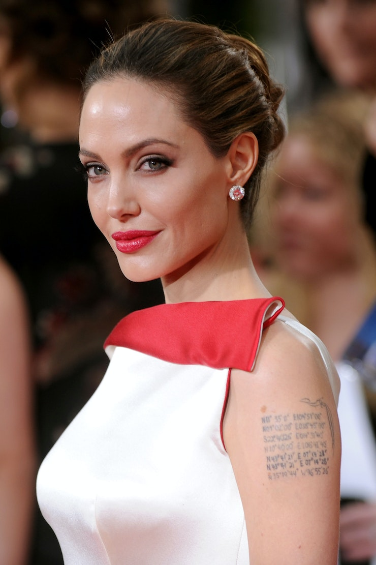 miley cyrus and angelina jolie are the same person and here u0027s all