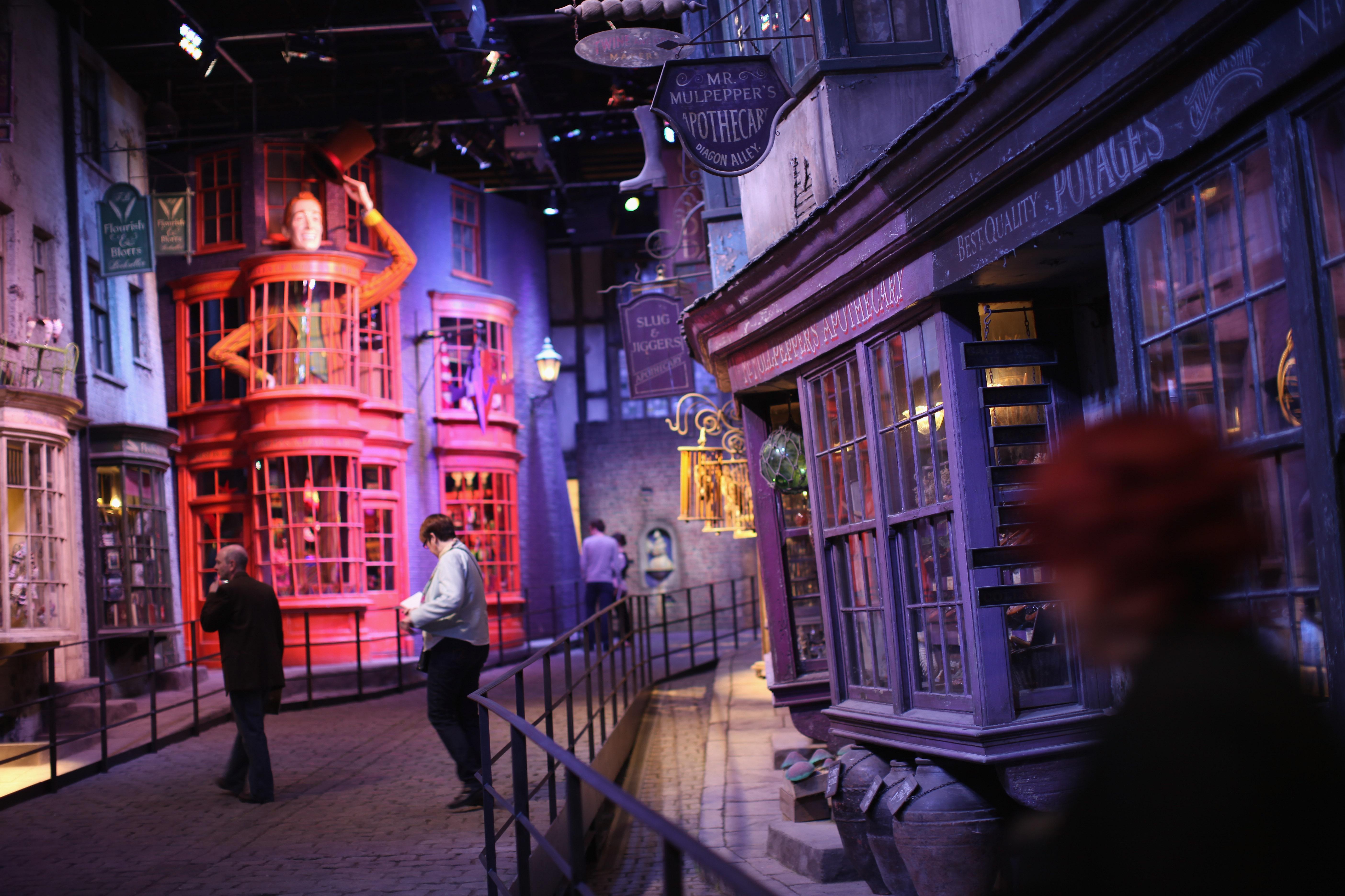 21 Universal Orlando Diagon Alley Photos Videos All Harry Potter