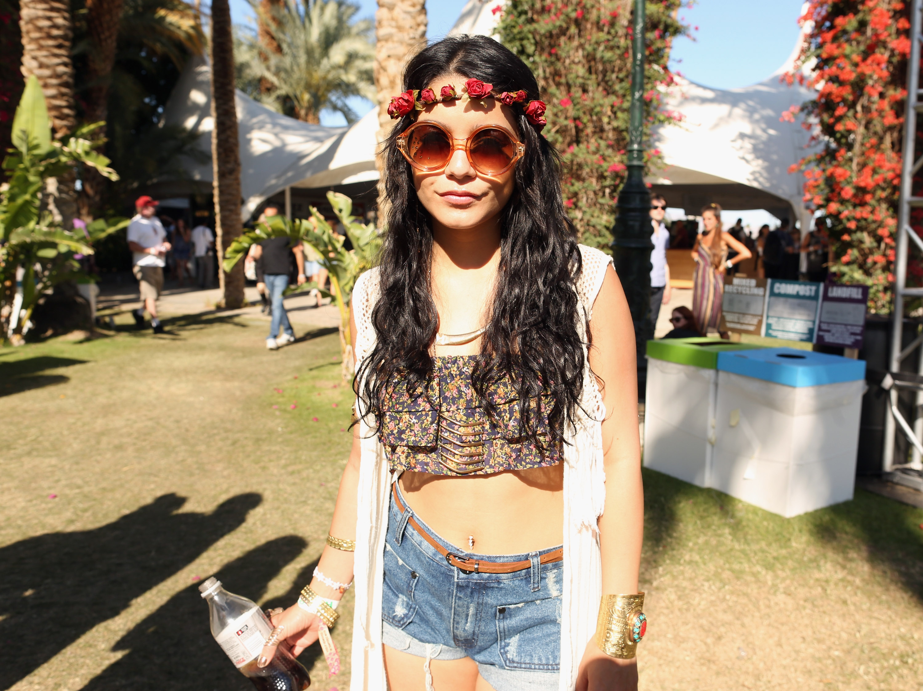 Vanessa Hudgens Controversial Bindi Trend Coachella Chic Or Offensive