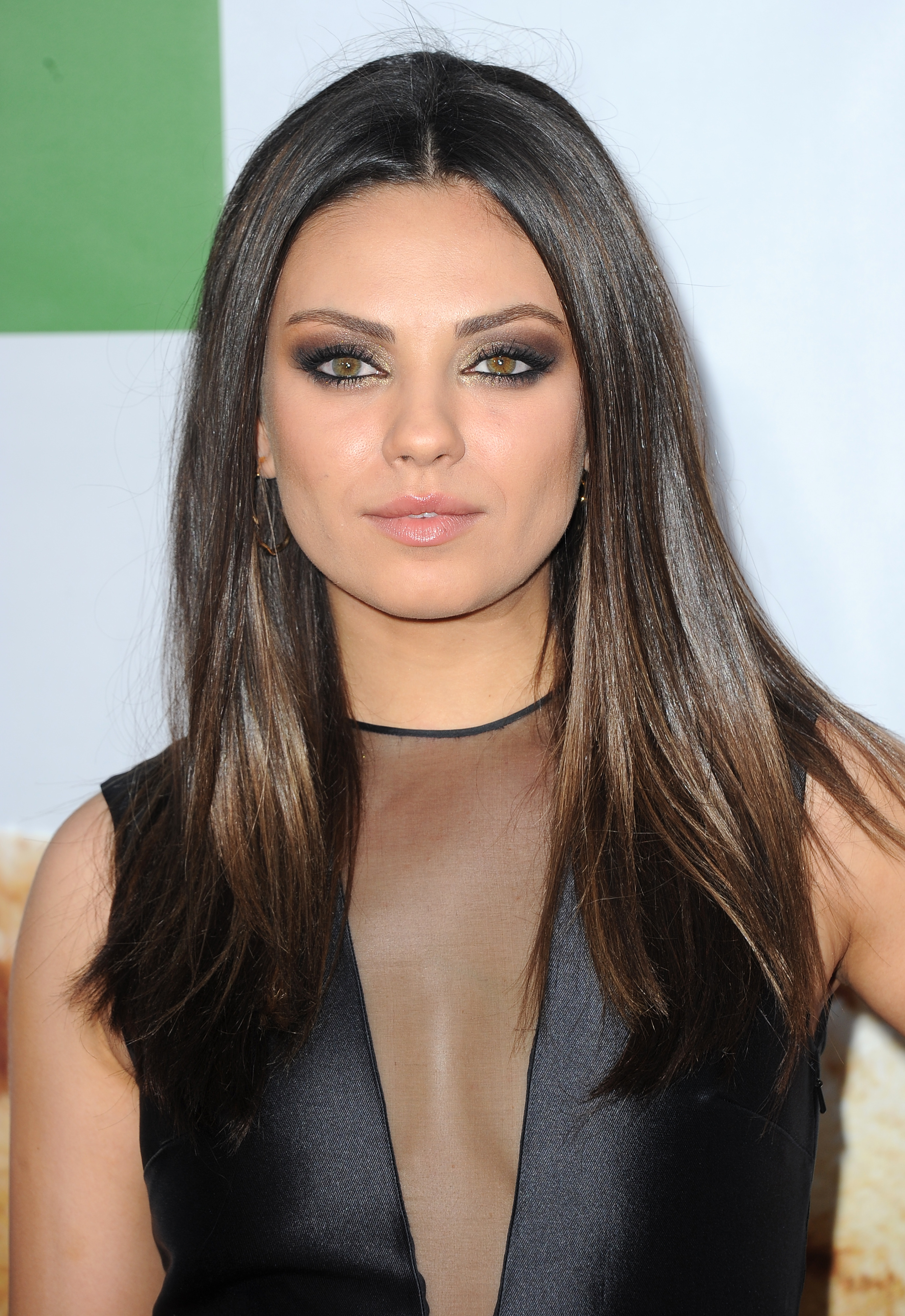 why isn 39 t mila kunis in 39 ted 2 39 don 39 t worry it 39 s not. Black Bedroom Furniture Sets. Home Design Ideas