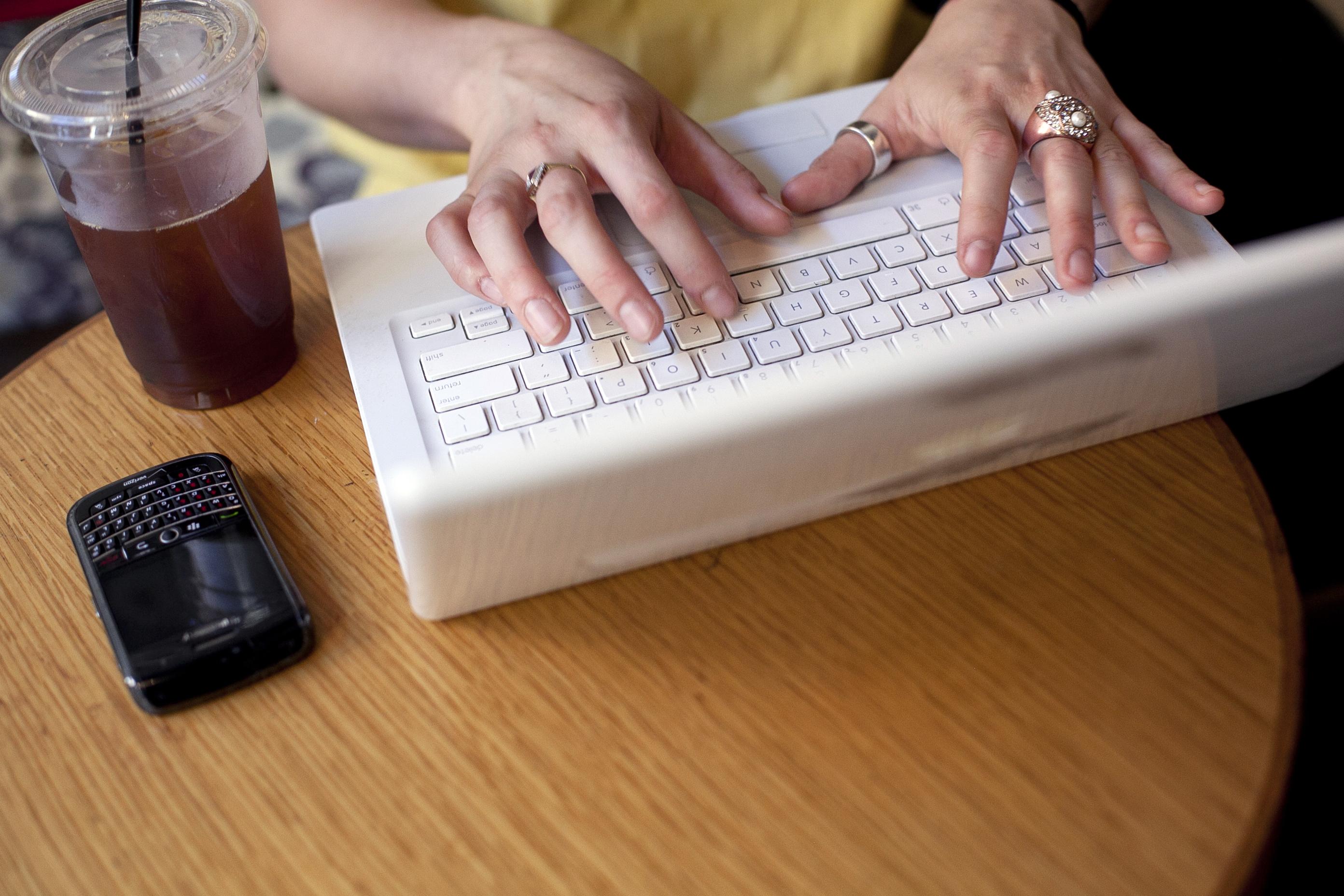 barer vs online dating