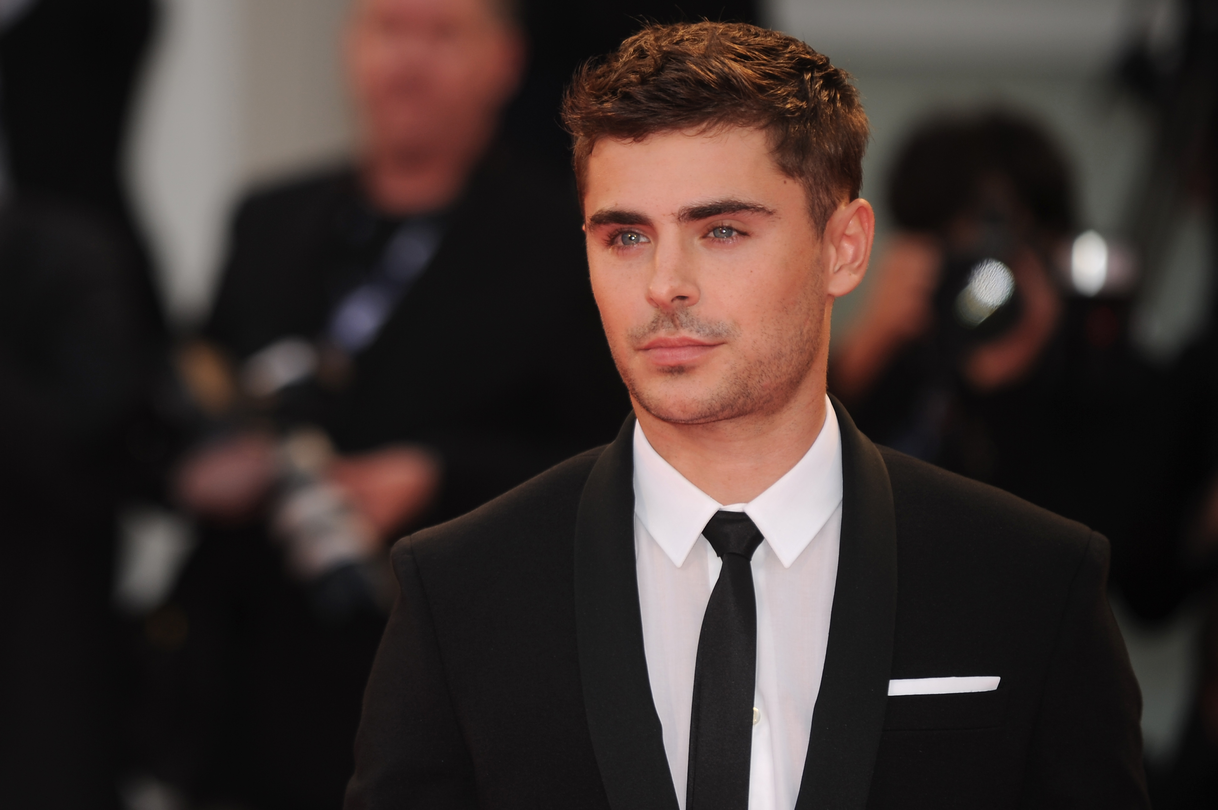 Zac Efron Wore A Fringe Crop Top While Shooting Dirty Grandpa