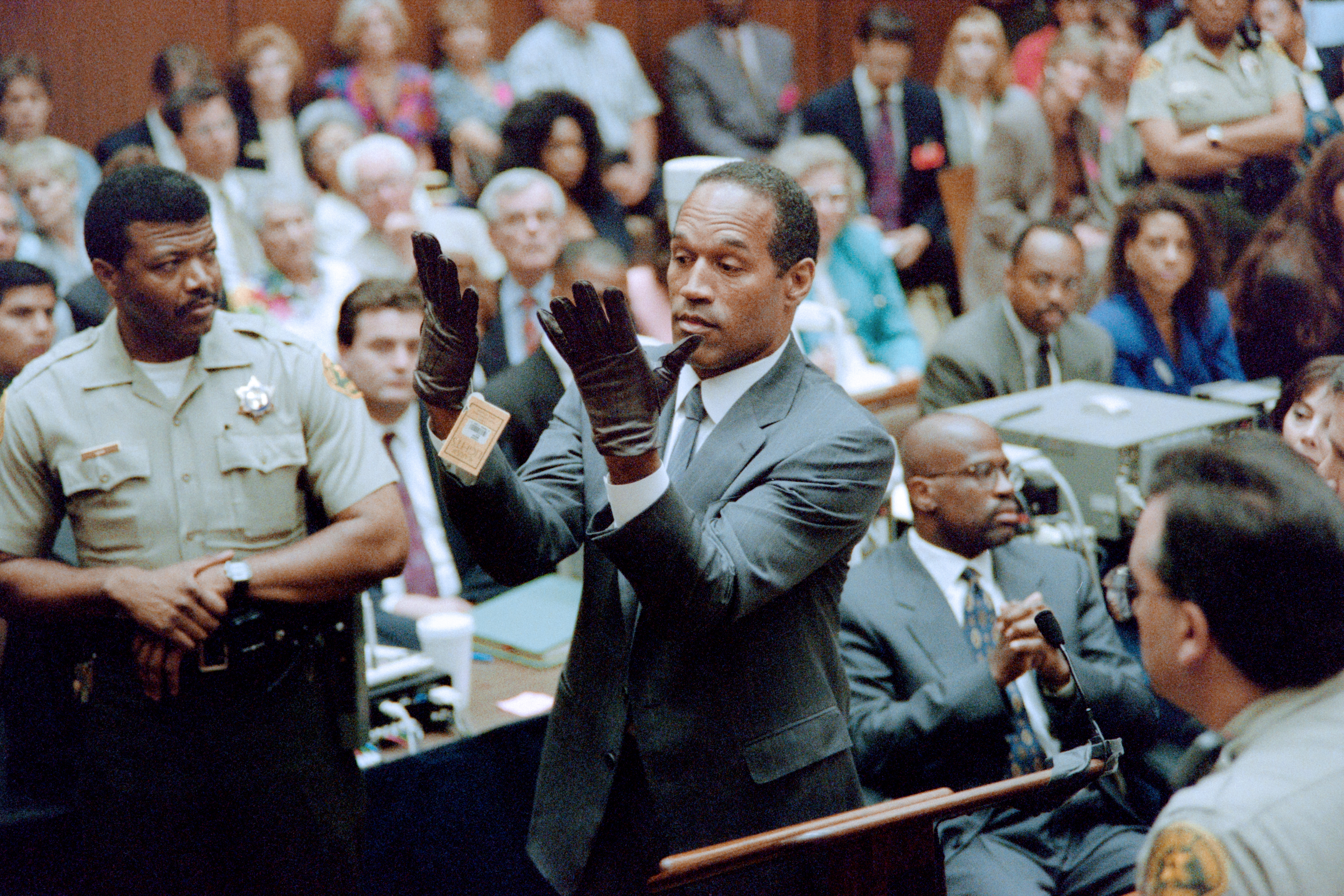 O.J. Simpson Could Make a Killing Signing Autographs