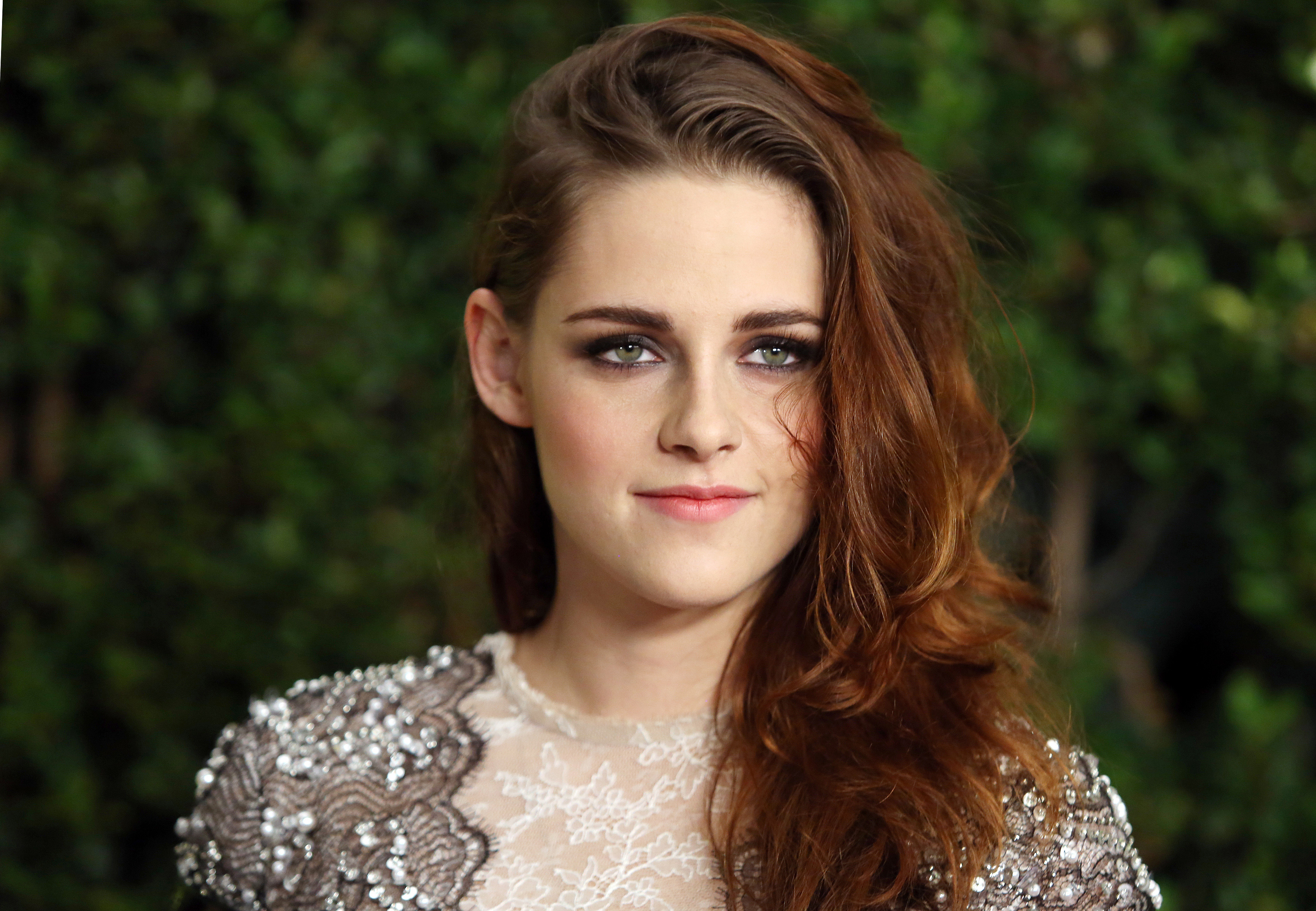 kristen stewart's newest award nomination broke a huge record & it's