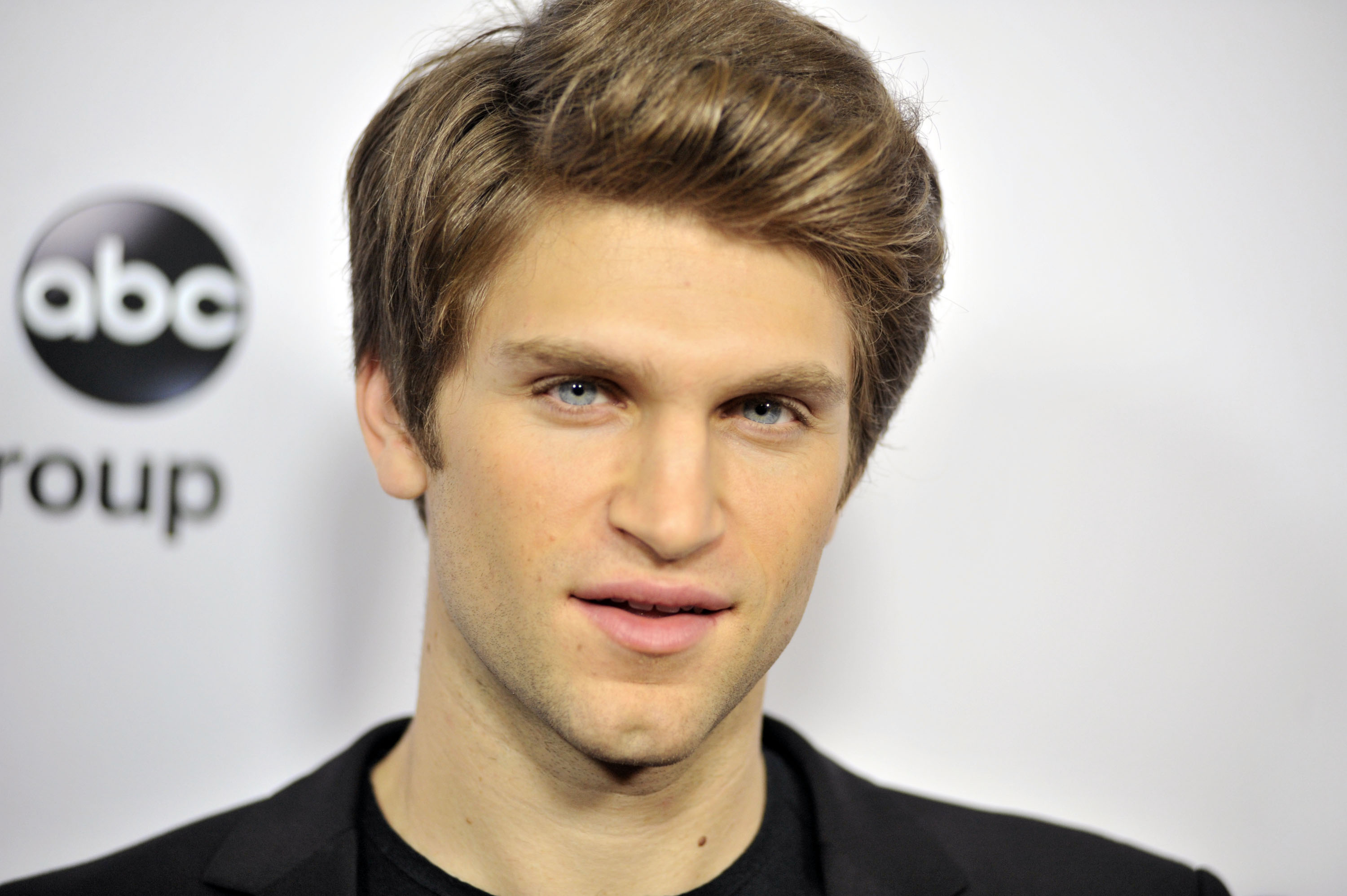 Think pll star keegan allen cant get any better here he is with think pll star keegan allen cant get any better here he is with a british accent video m4hsunfo