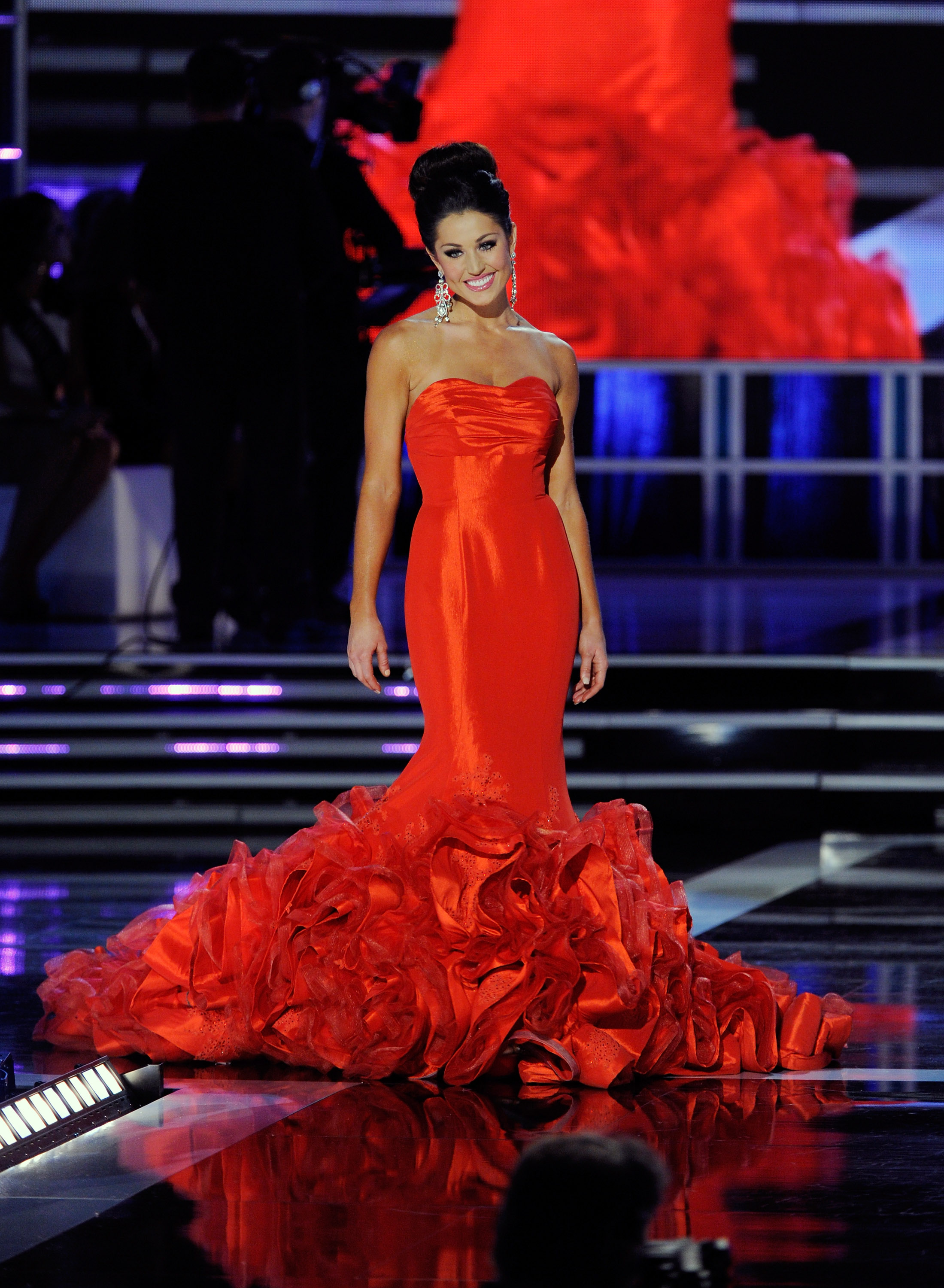 6 Most Memorable Miss America Gowns, From The Fabulously Floaty To ...