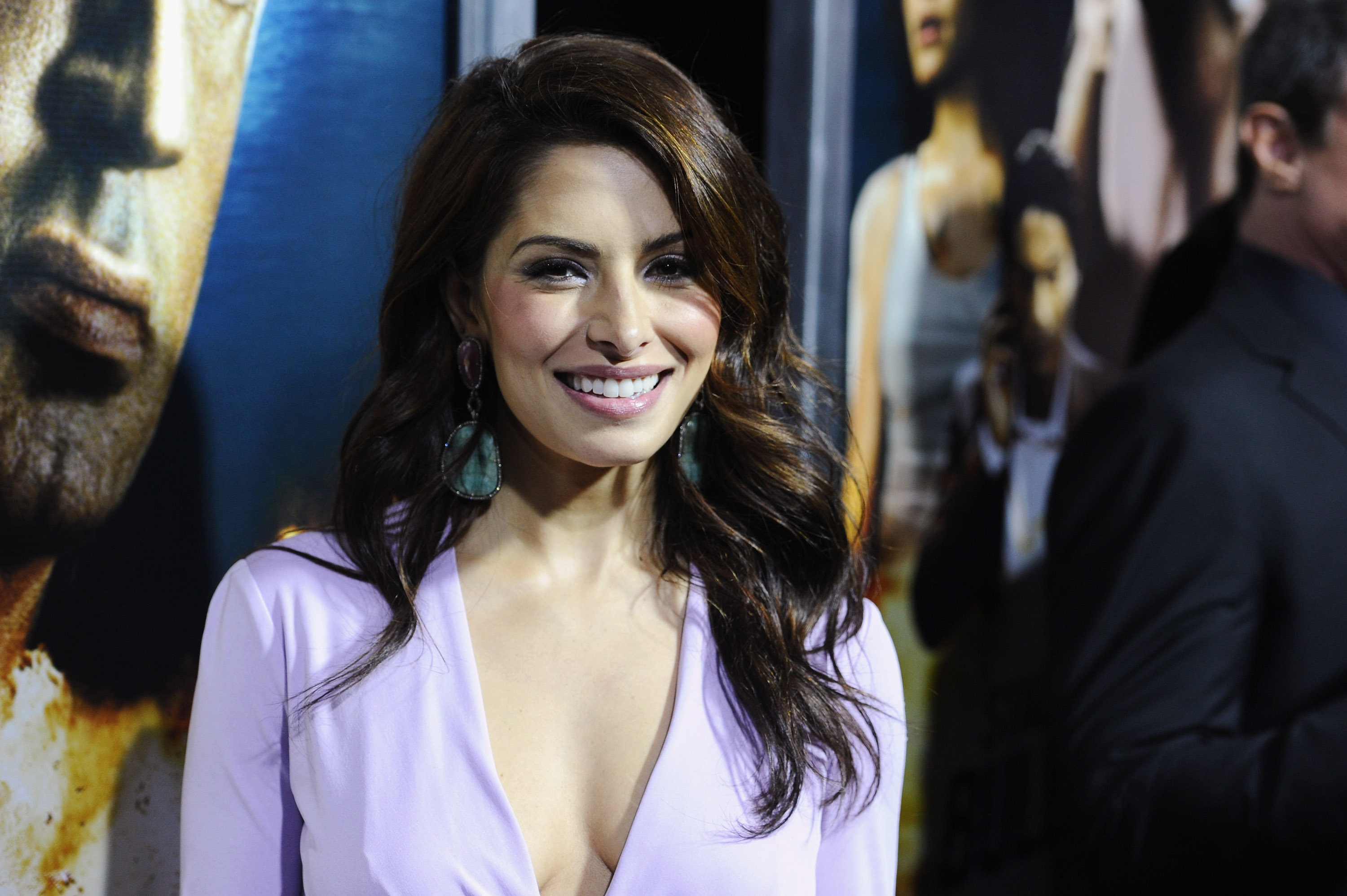 Young Sarah Shahi nude (51 photo), Tits, Is a cute, Selfie, butt 2017