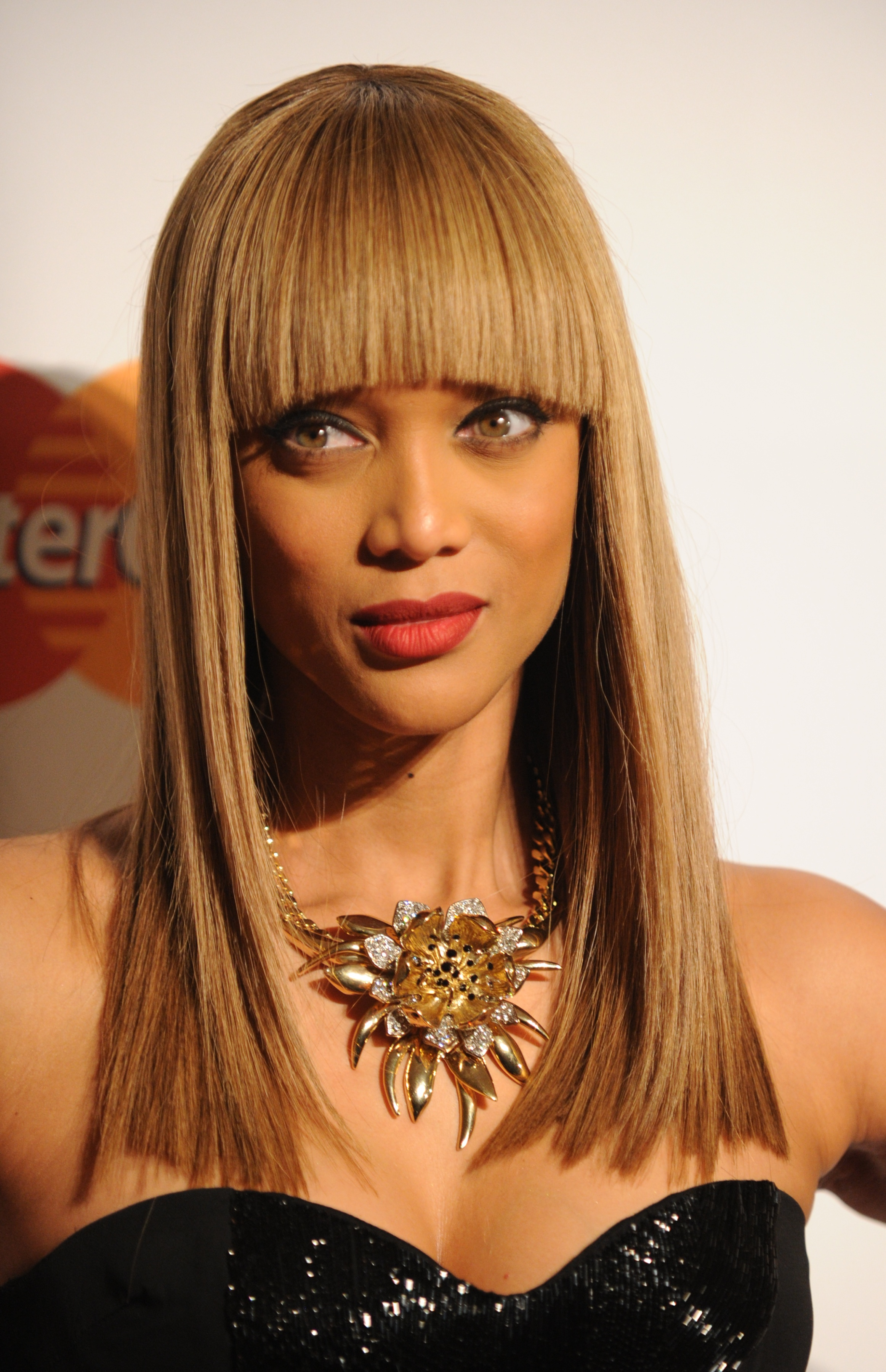 Tyra Banks Hair Evolution And The Metaphorical Meaning
