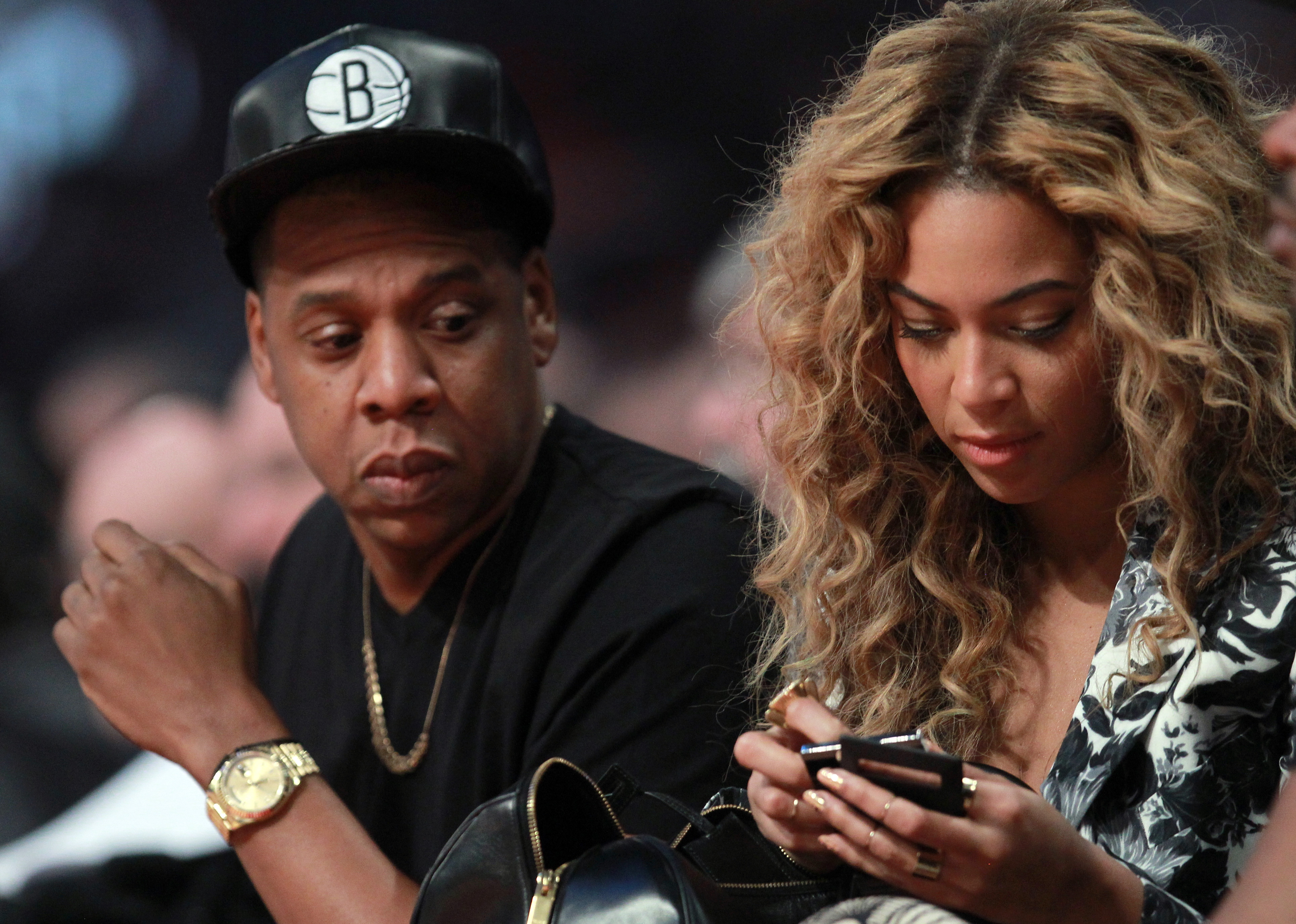 Is jay z still married to beyonce