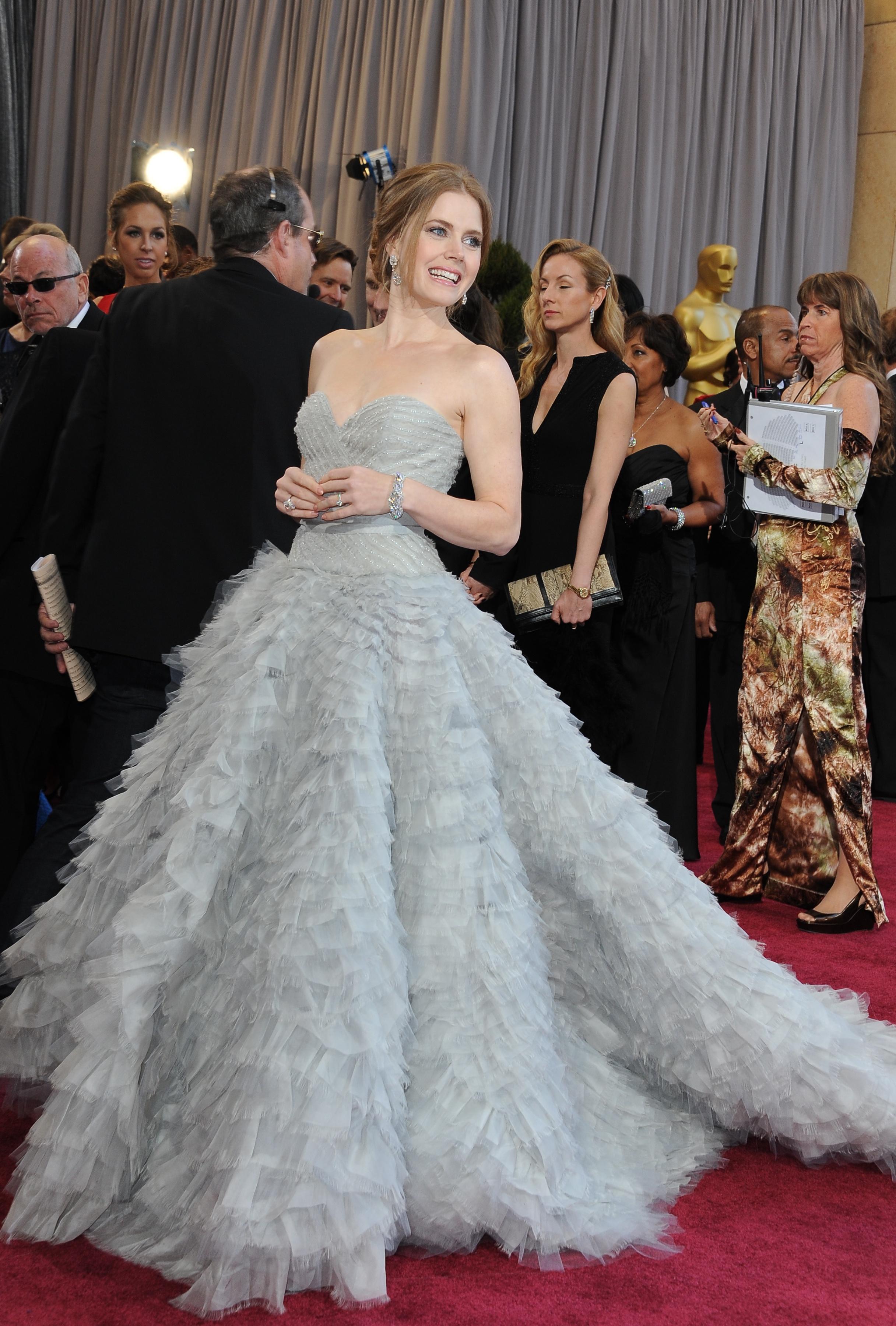 Enchanting Anne Hathaway Wedding Gown Adornment - Womens Wedding ...
