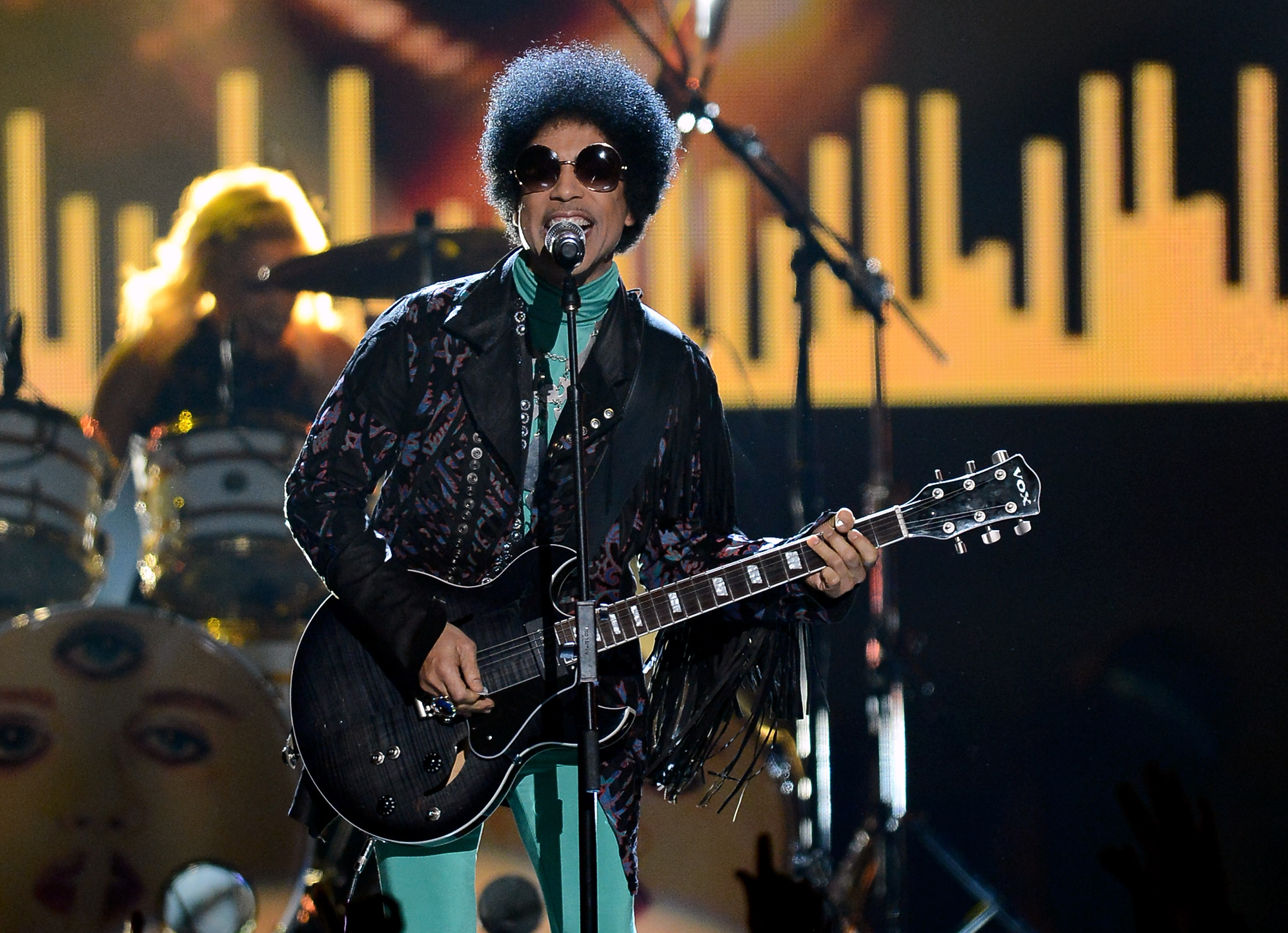 Prince's Greatest Guitar Solos Prove Shredding Was His Most