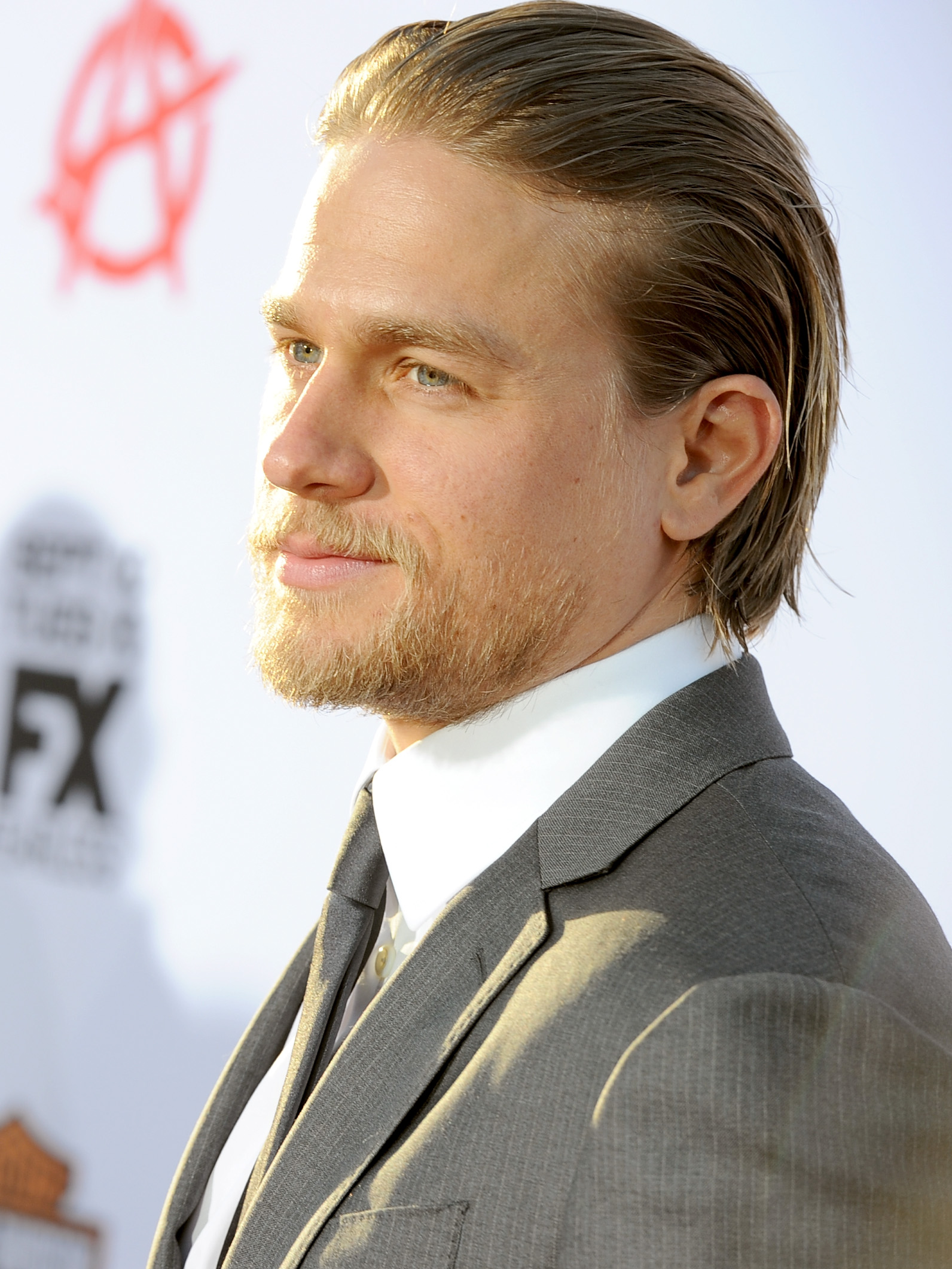 How Did Charlie Hunnam S Fifty Shades Of Grey Salary Stand Next To Real Porn Stars Pay