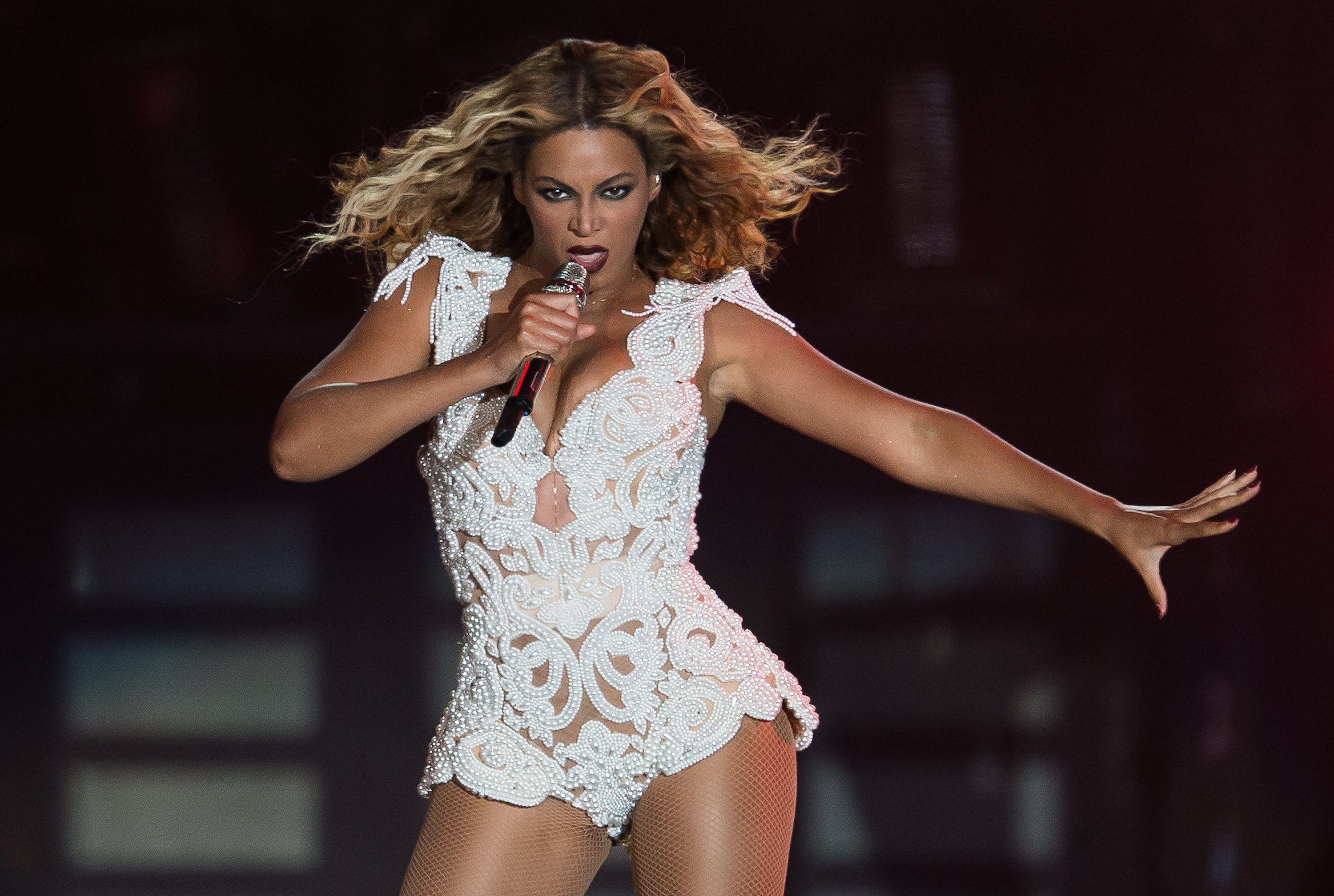 7bf7f5291187e Wondering What to Wear To a Beyonce Concert  5 Outfit Ideas Sasha Fierce  Would Approve Of