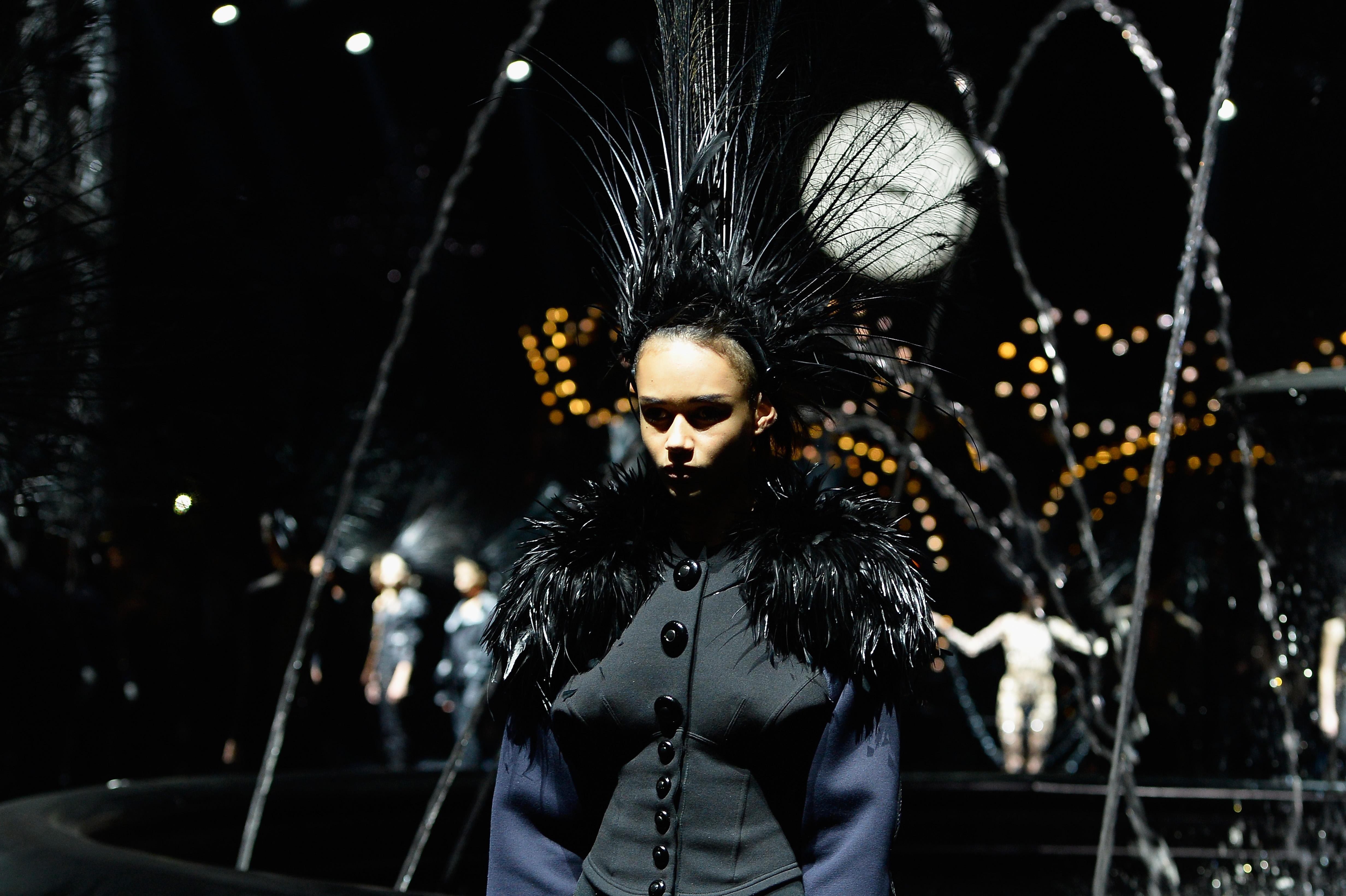 81e295c4058c Marc Jacob s Last Show For Louis Vuitton  An Nostalgic