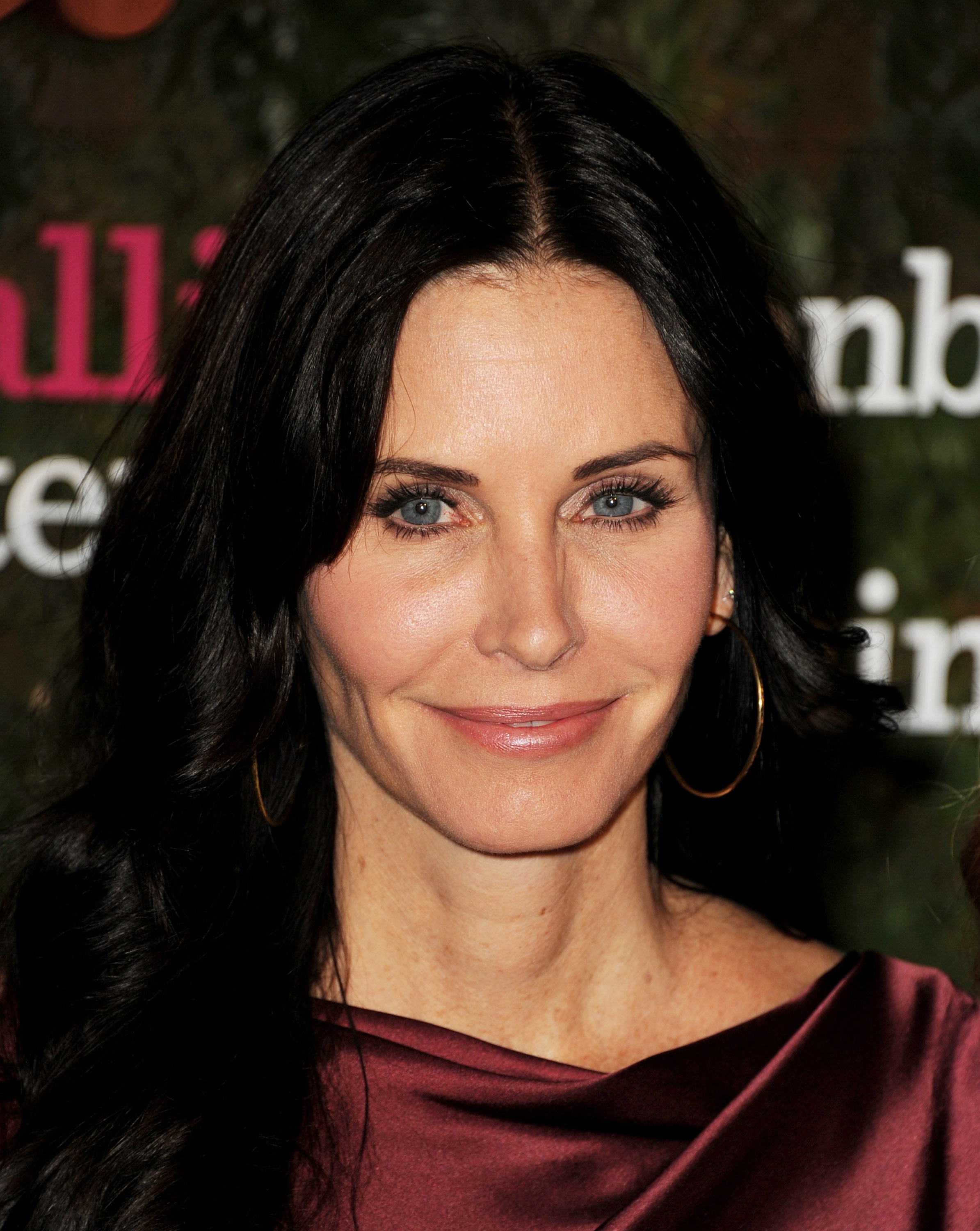 Courteney Cox Was Jealous Of Rachels Hair On Friends Plus 7