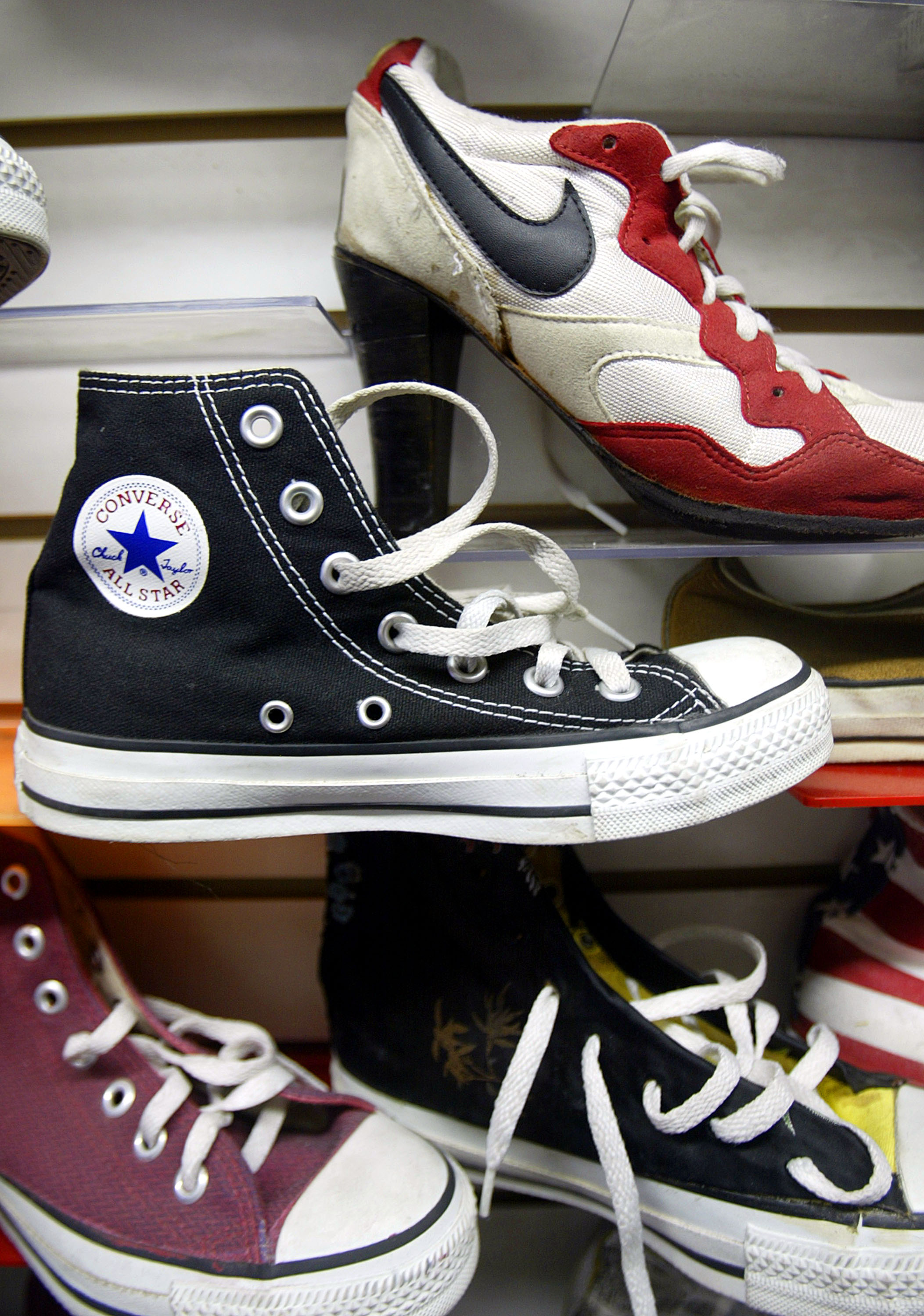 6b4725e8d5bc Converse Is Suing Walmart