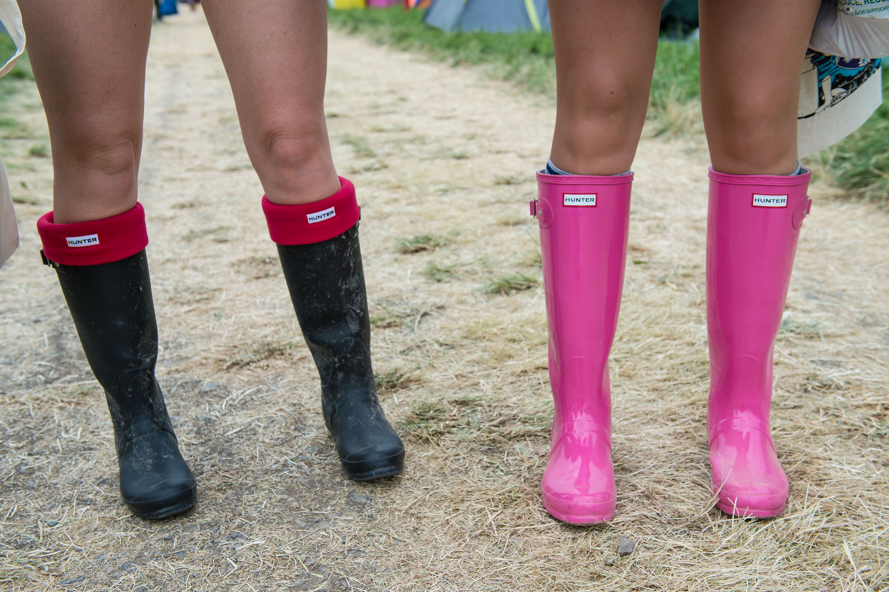 9447e8b1e719 How To Wear Rain Boots Without Dampening Spring Style