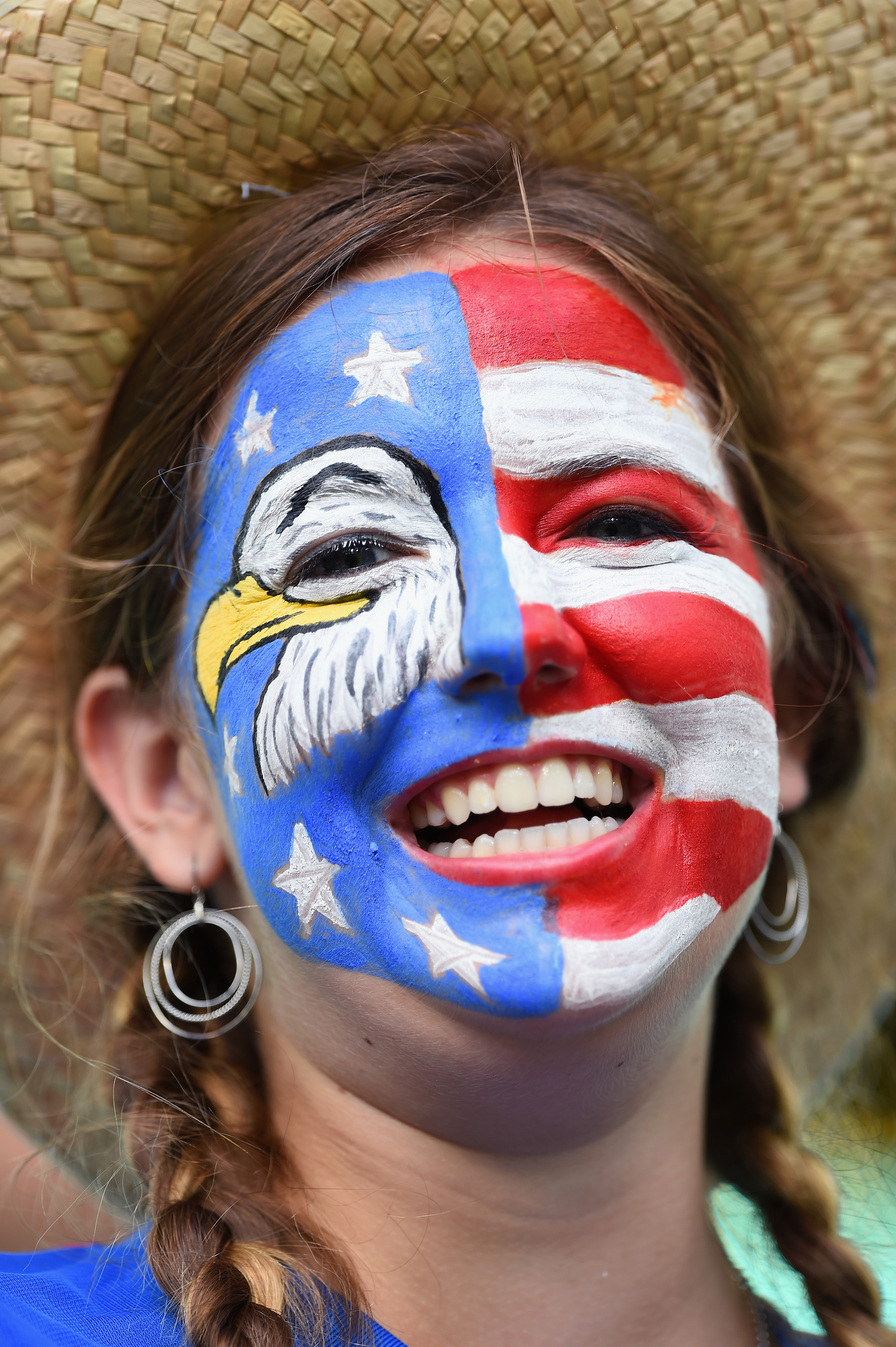 Amazingly patriotic usa world cup face paint because for Americas best paint
