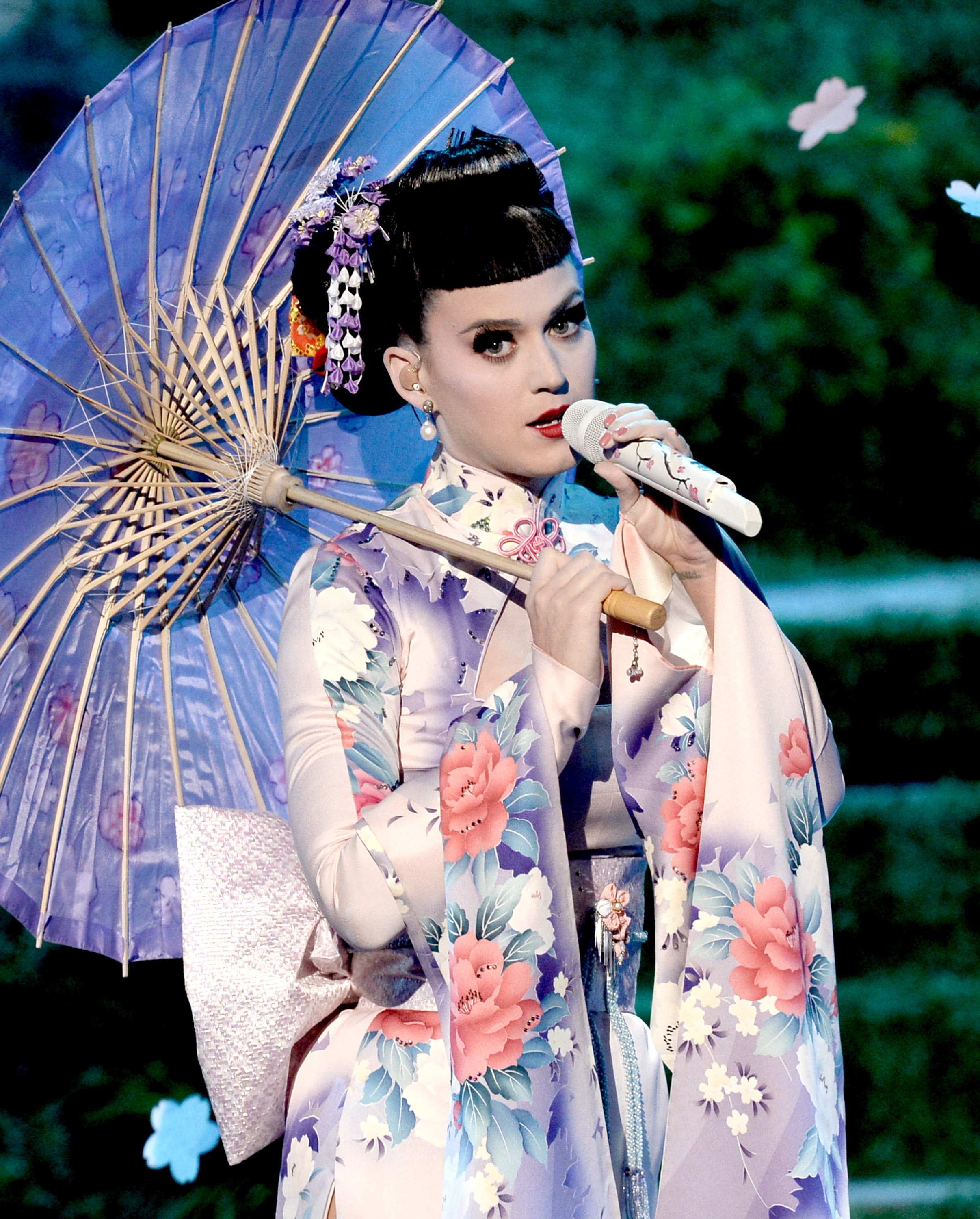Katy Perry Explains Geisha Incident & Proves She's Willfully Ignorant About  Japanese Culture