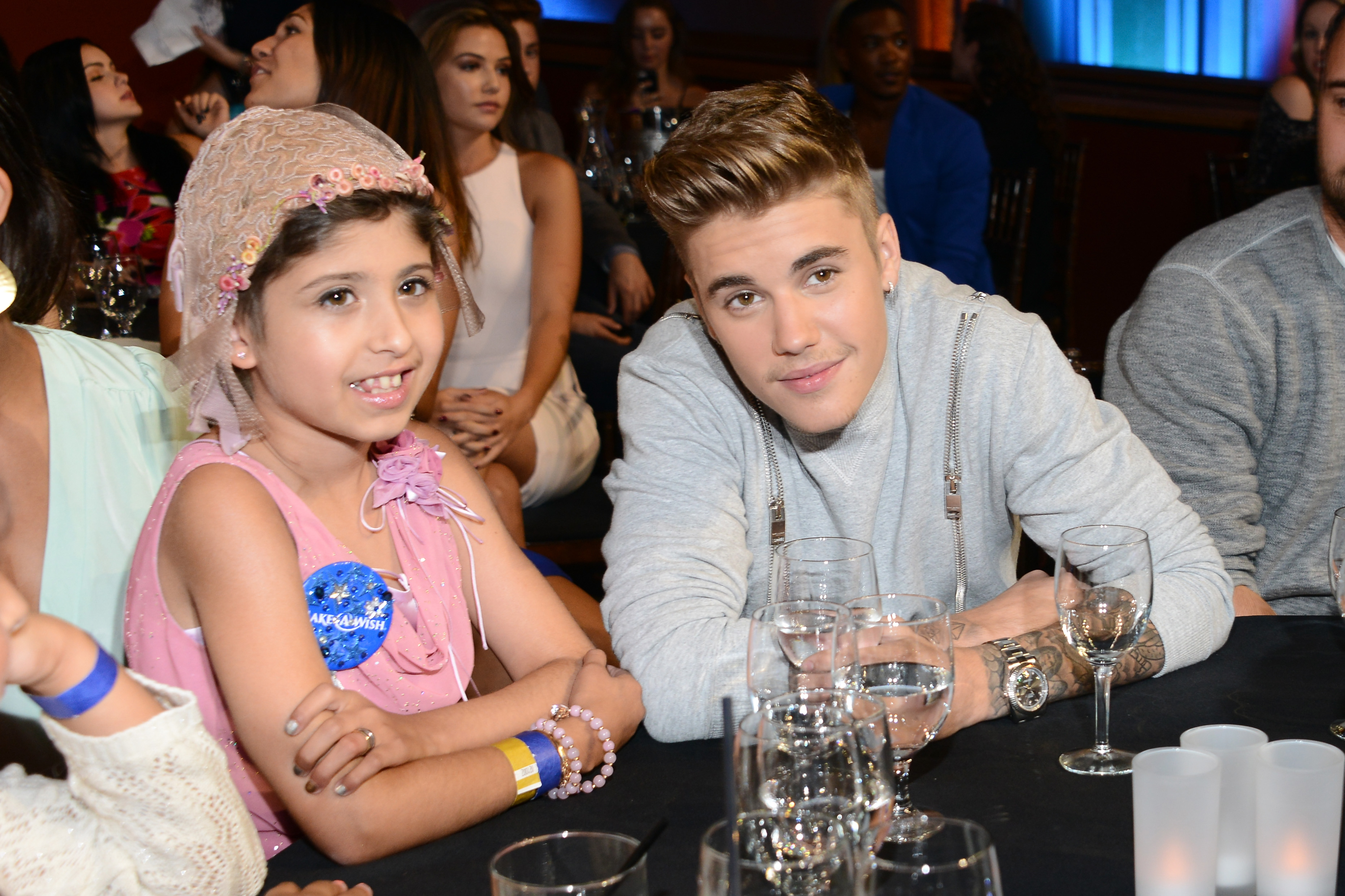 Justin Bieber Takes Fan As Date To Awards Show In Another Possible Do Not Need Want The Kill Switch Be Illuminated When Attempt Rehabilitate His Image